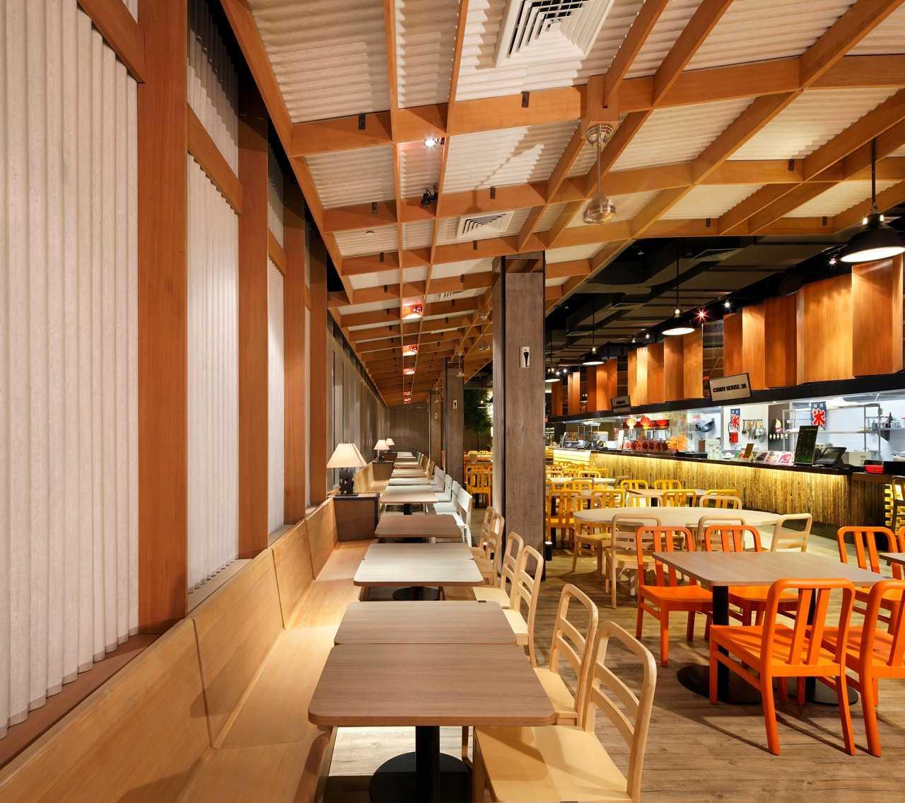 Ma-Ru Urban Kitchen  Plaza Indonesia Plaza Indonesia Seating Area Restaurant   15338