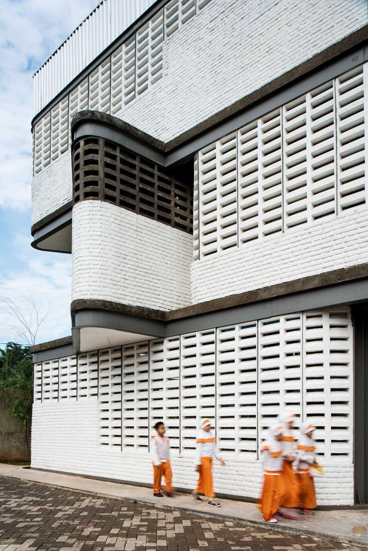 Aboday Architect Khalifa Ims South Tangerang, Indonesia South Tangerang, Indonesia Exterior Details Contemporary  15384
