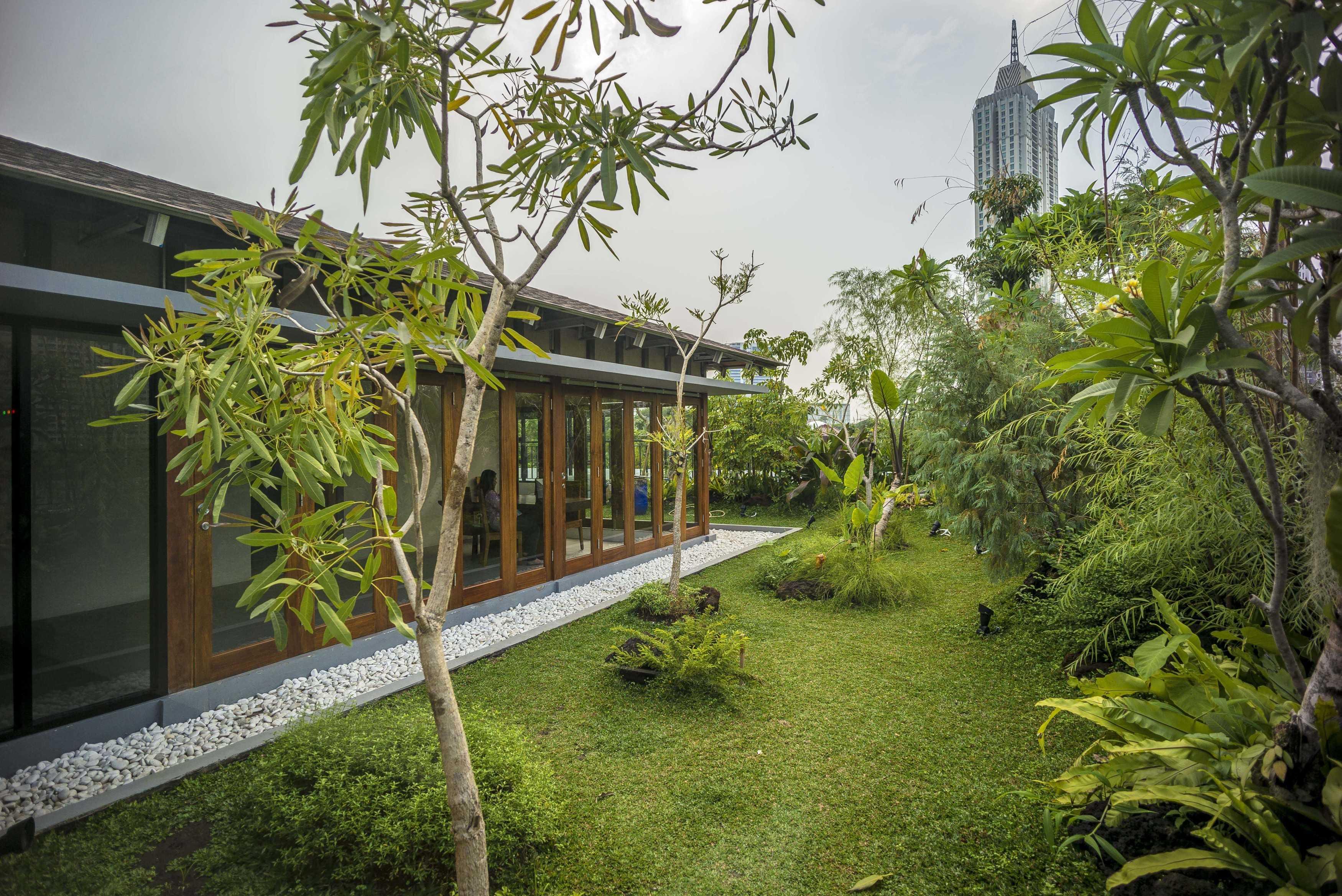Vin•da•te Lewis  & Carrol  High  Tea Jakarta, Indonesia Jakarta, Indonesia Garden Tropis  15782