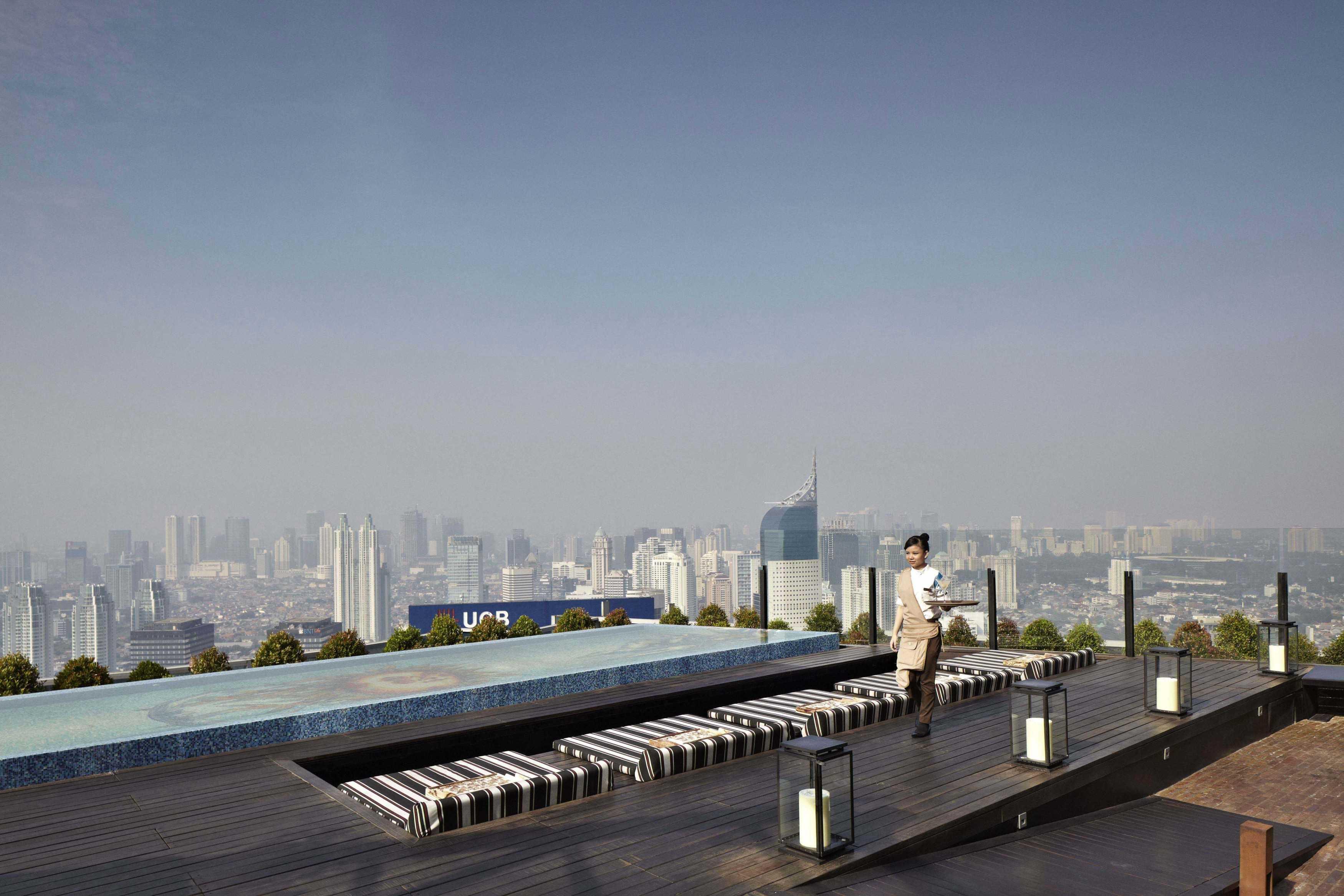 Willis Kusuma Architects Skye Jakarta, Indonesia Jakarta, Indonesia Rooftop Area   15907