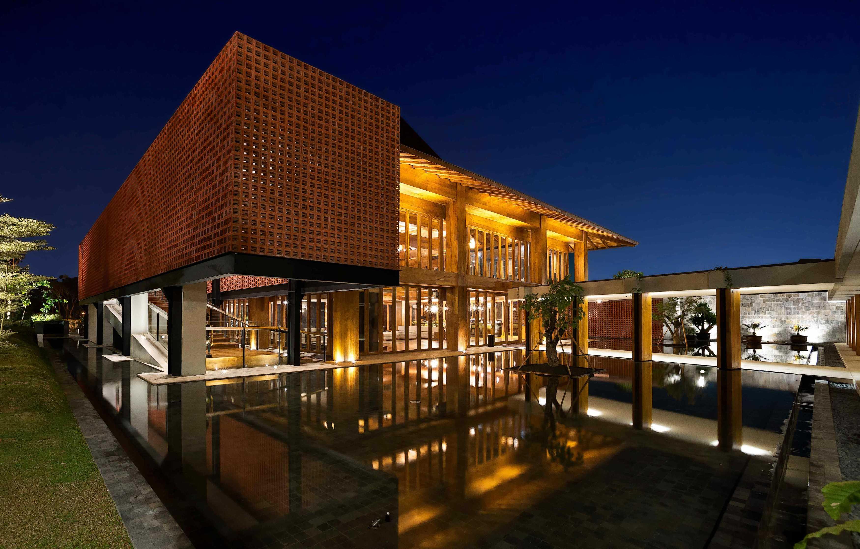 Mint-Ds Djati Lounge & Djoglo Bungalow Araya, Malang, East Java Araya, Malang, East Java Night View   16178