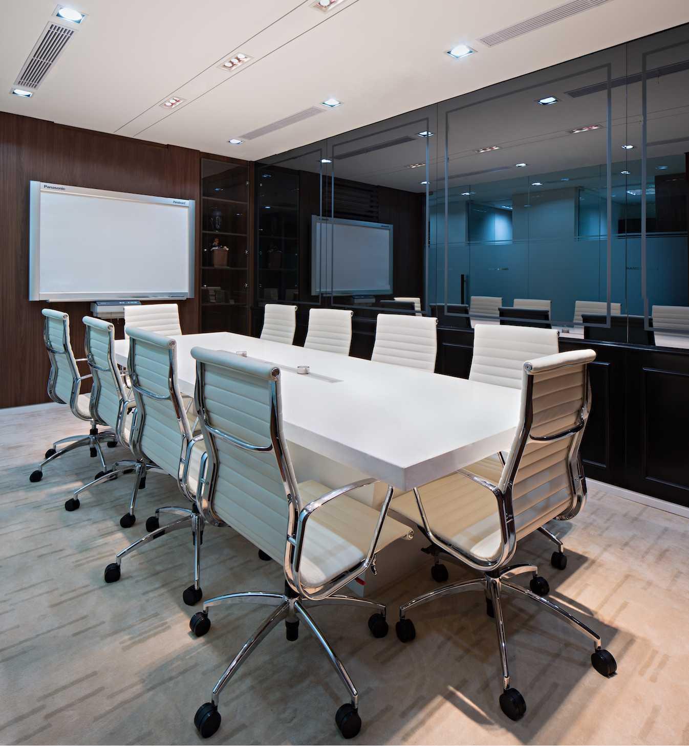 Pt Asa Adiguna Hanis & Hanis Advocate Sarinah Building Sarinah Building Meeting Room Minimalis  24577