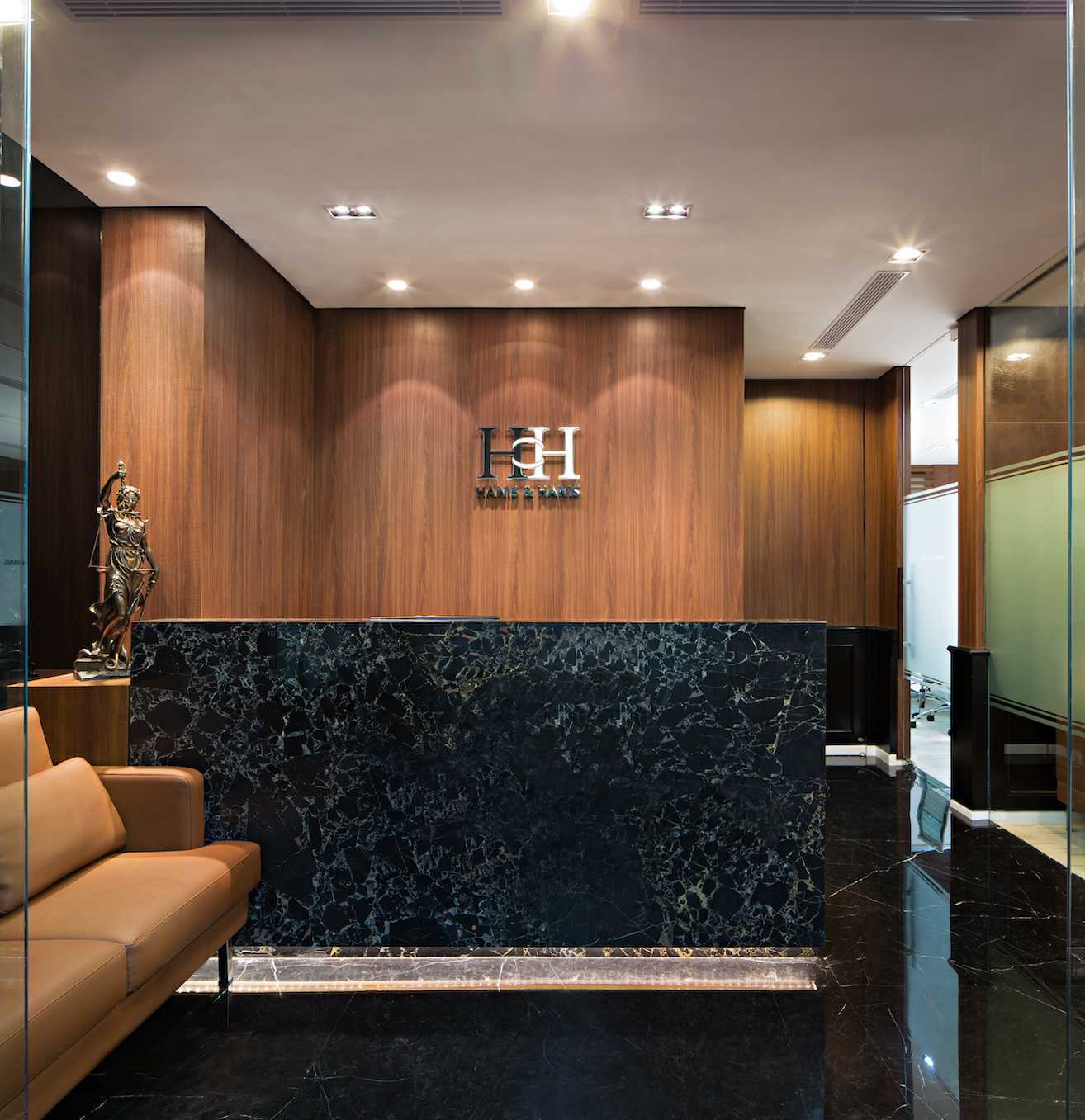 Pt Asa Adiguna Hanis & Hanis Advocate Sarinah Building Sarinah Building Reception Area Minimalis  24578