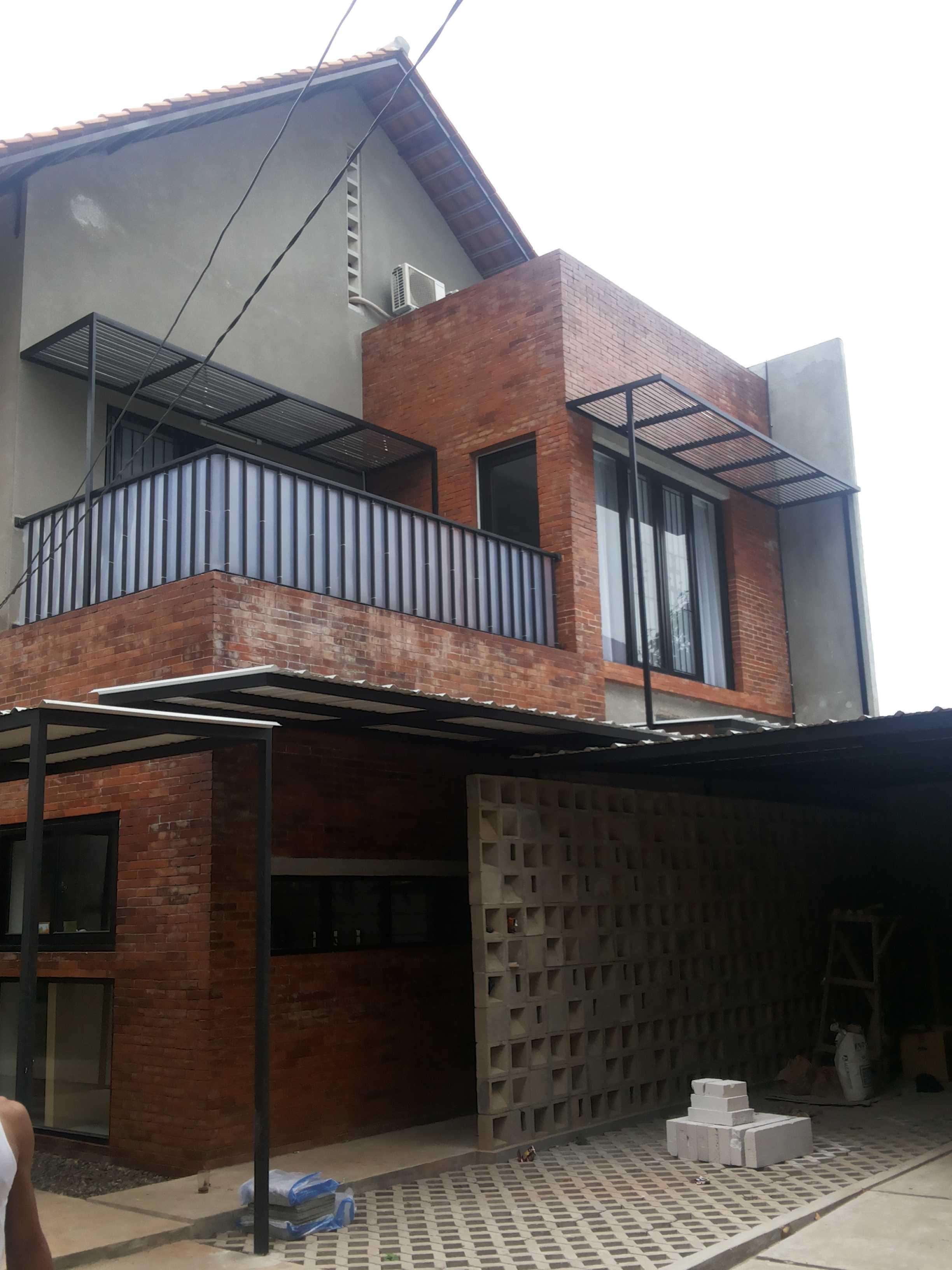 Psa Studio Delman Kencana Jakarta,  Indonesia Jakarta,  Indonesia Front-View   16488