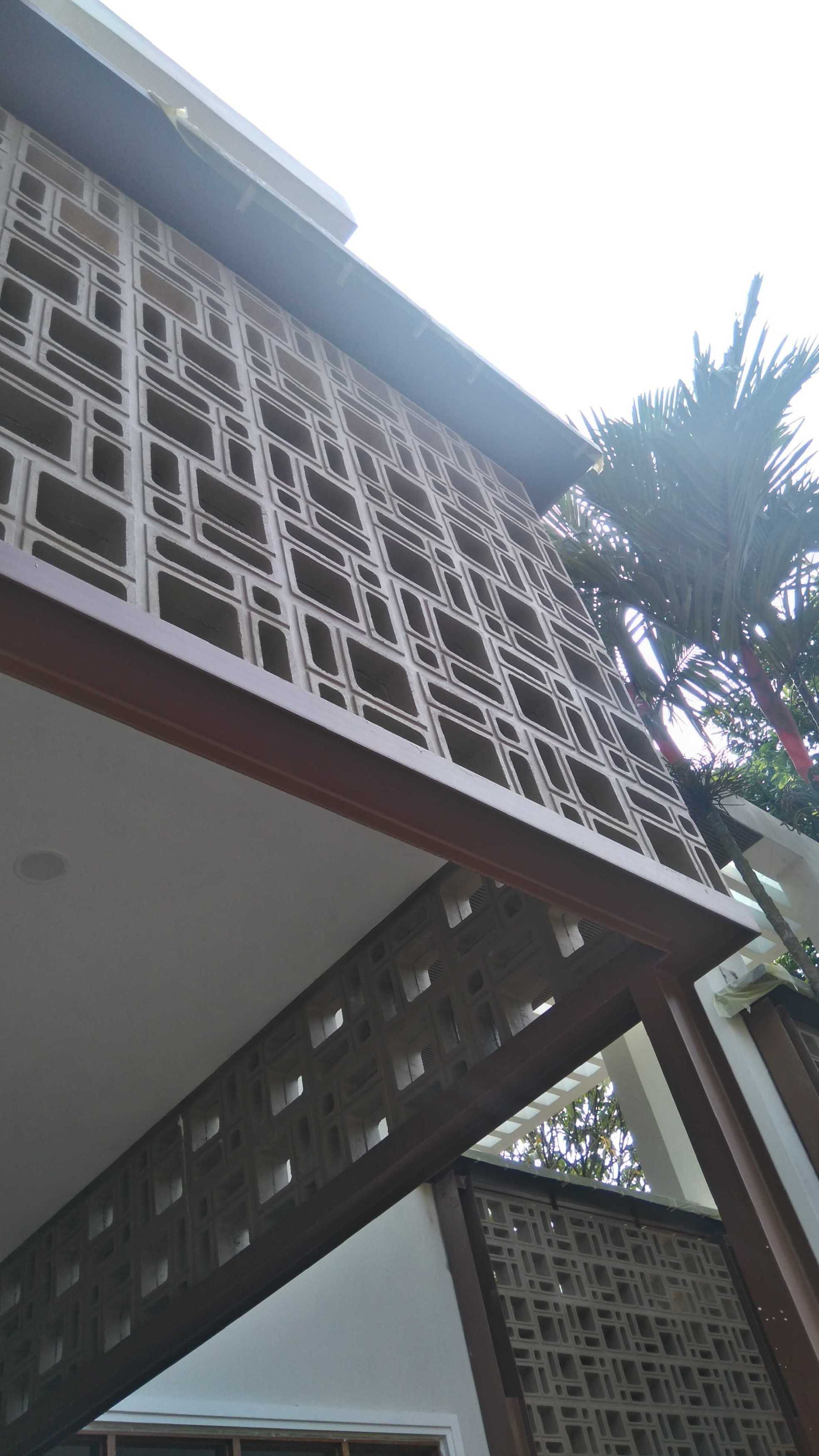 Psa Studio Villa Cimelati Sukabumi, West Java, Indonesia Sukabumi, West Java, Indonesia Eksterior-Detail-View Modern  16499