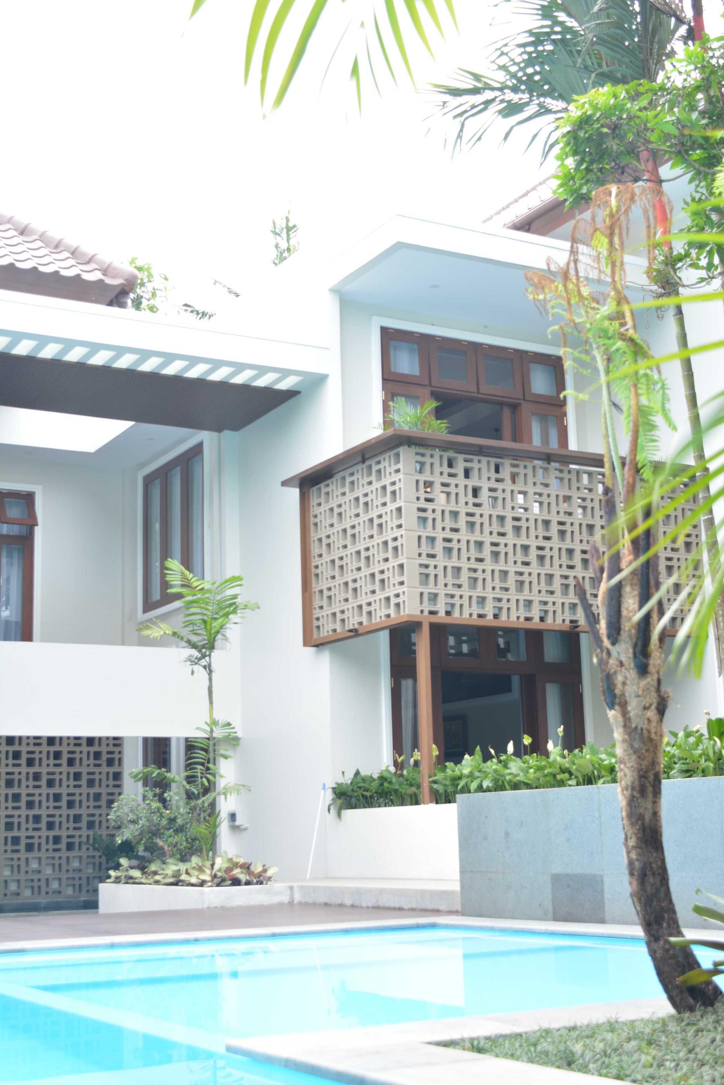 Psa Studio Villa Cimelati Sukabumi, West Java, Indonesia Sukabumi, West Java, Indonesia Swimmingpool-Area Modern  16507