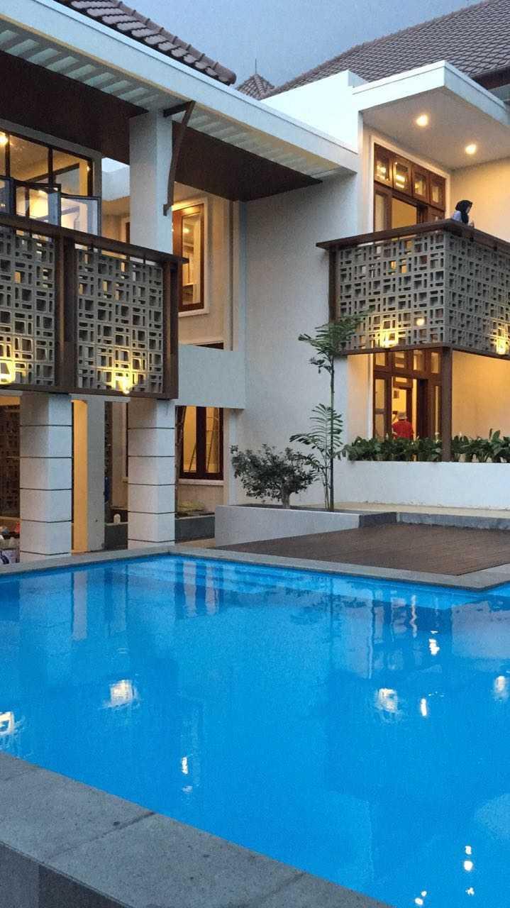 Psa Studio Villa Cimelati Sukabumi, West Java, Indonesia Sukabumi, West Java, Indonesia Swimmingpool Modern  16508