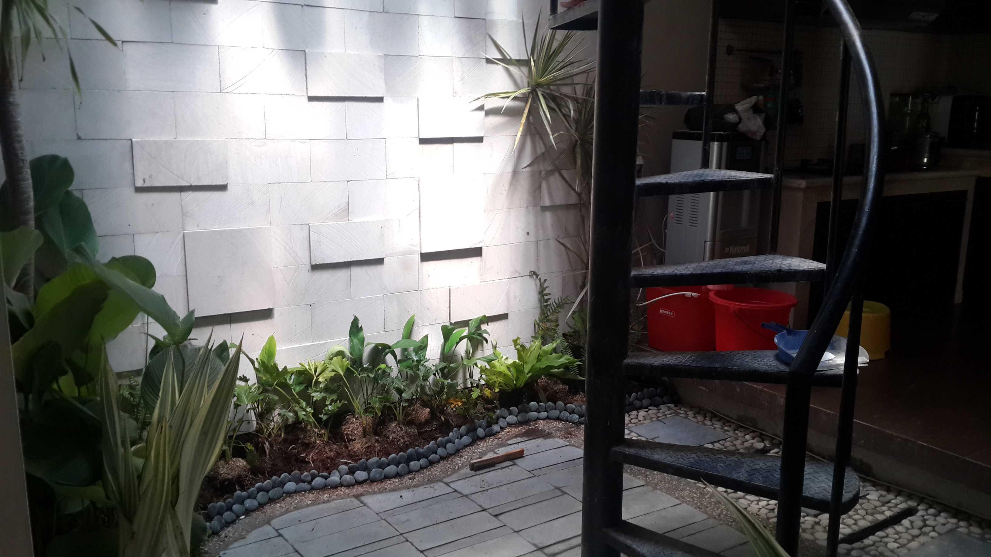 Afina Rahmani Design & Built Indoor Garden Meruya, Jakarta Barat Meruya, Jakarta Barat Result Modern  24095