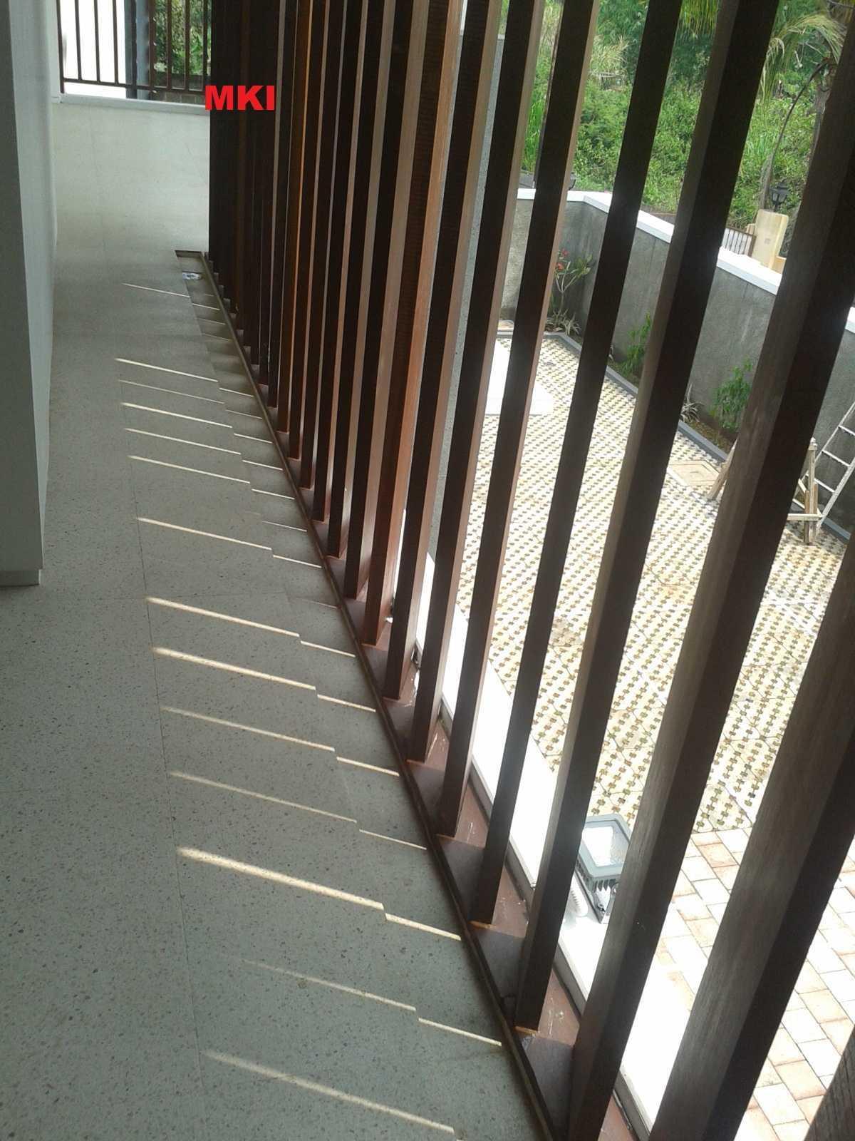 Mki Ts House Cibinong, Bogor, West Java, Indonesia Bogor The Reflection Of Light Behind A Wooden Lattice On The Balcony   16873