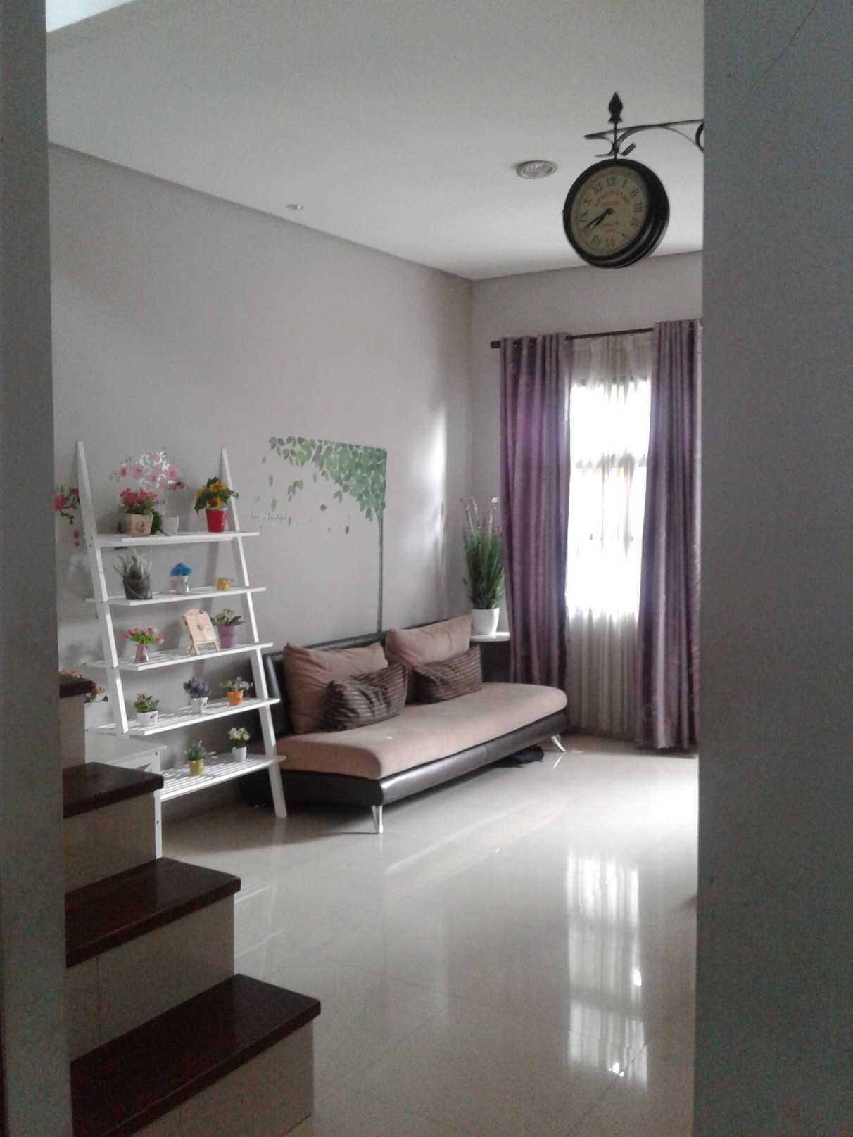 Mki Bw House Lubang Buaya, Jakarta Timur Lubang Buaya, Jakarta Timur Living Room Modern  19380