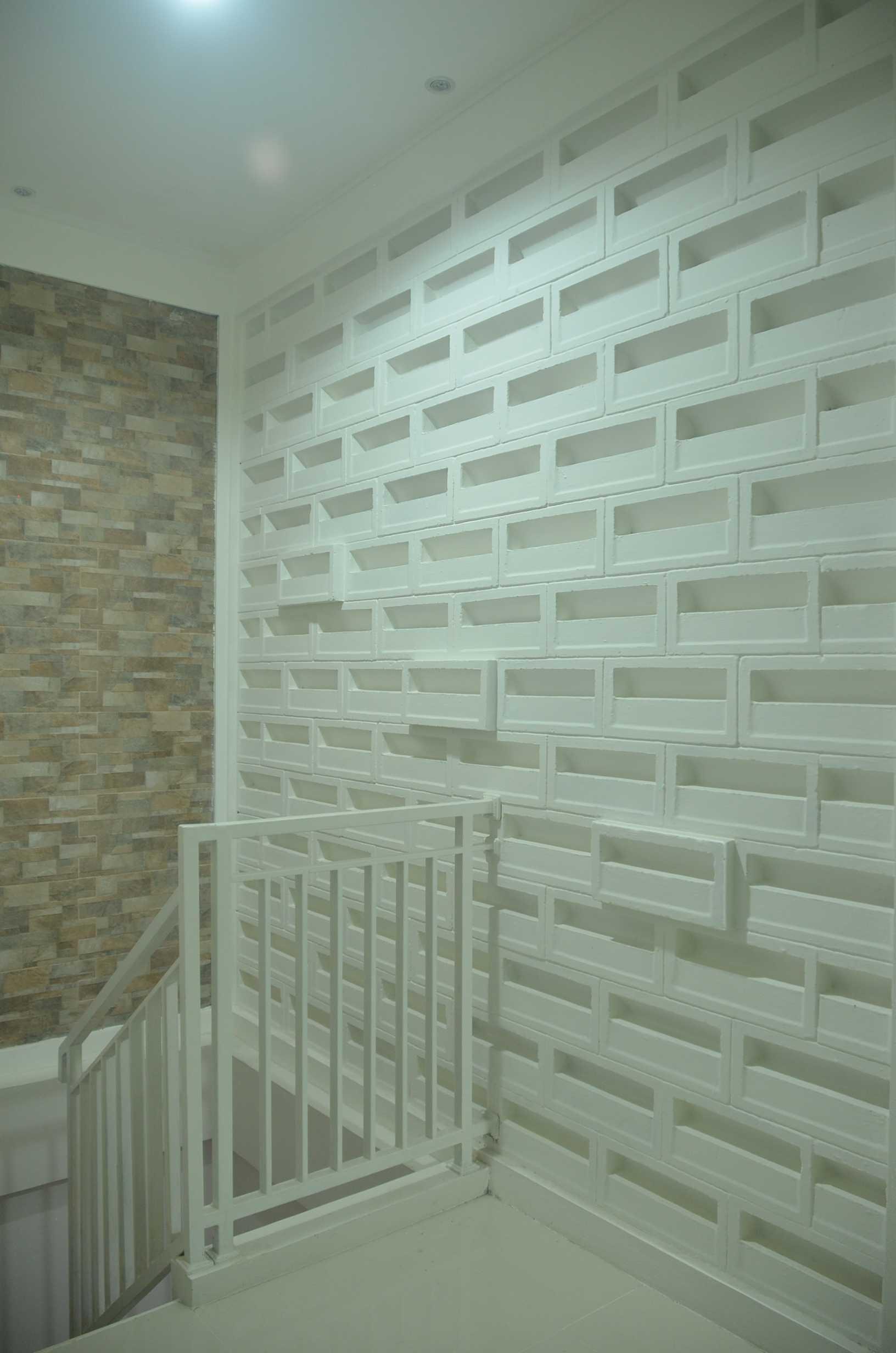 Mki Ds House Bogor Bogor Stair Wall Decoration Modern  23019
