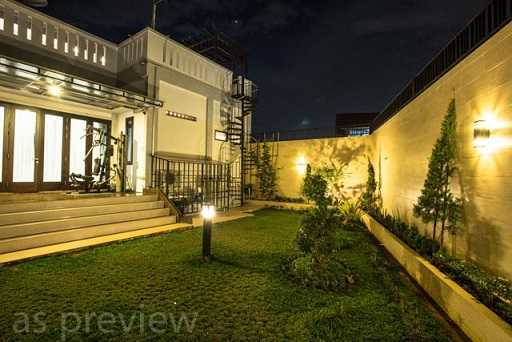 Dx Interior & Architecture Modern Luxury House Pontianak Kota, Pontianak, West Kalimantan, Indonesia Pontianak Kota, Pontianak, West Kalimantan, Indonesia Backyard-1 Modern  30794