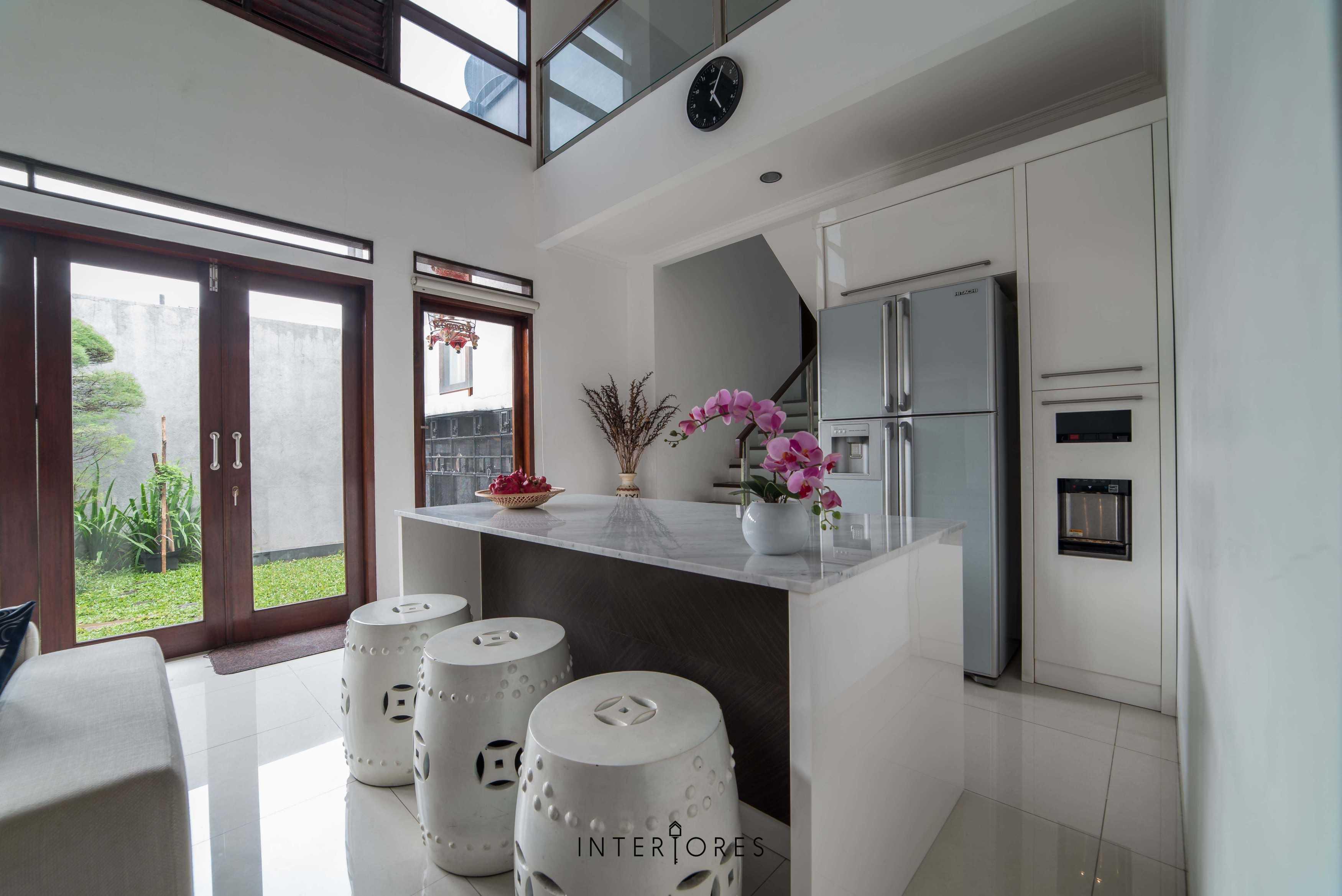 Interiores Interior Consultant & Build Greta 90 Bintaro Bintaro Diningroom Kontemporer  17684