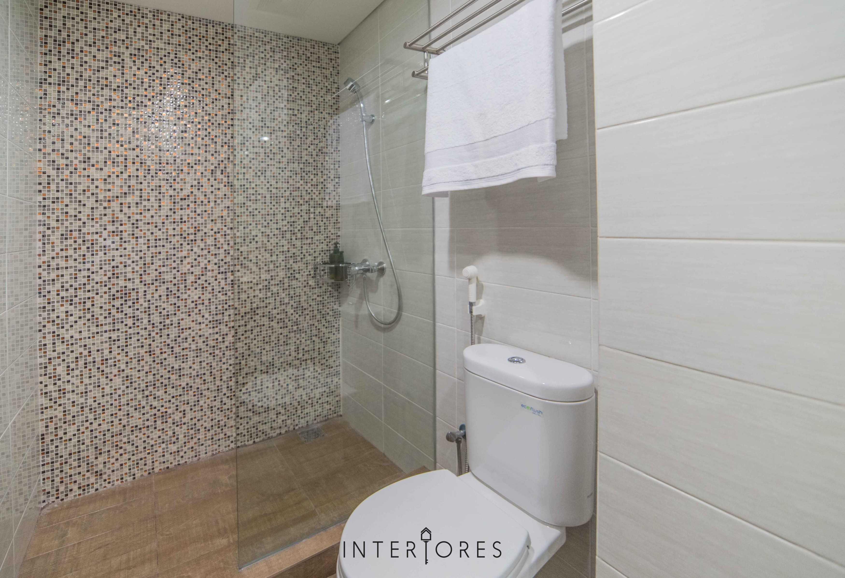 Interiores Interior Consultant & Build Studio 06C3 Kemang Village, Jakarta Selatan Kemang Village, Jakarta Selatan Bathroom Modern  17700