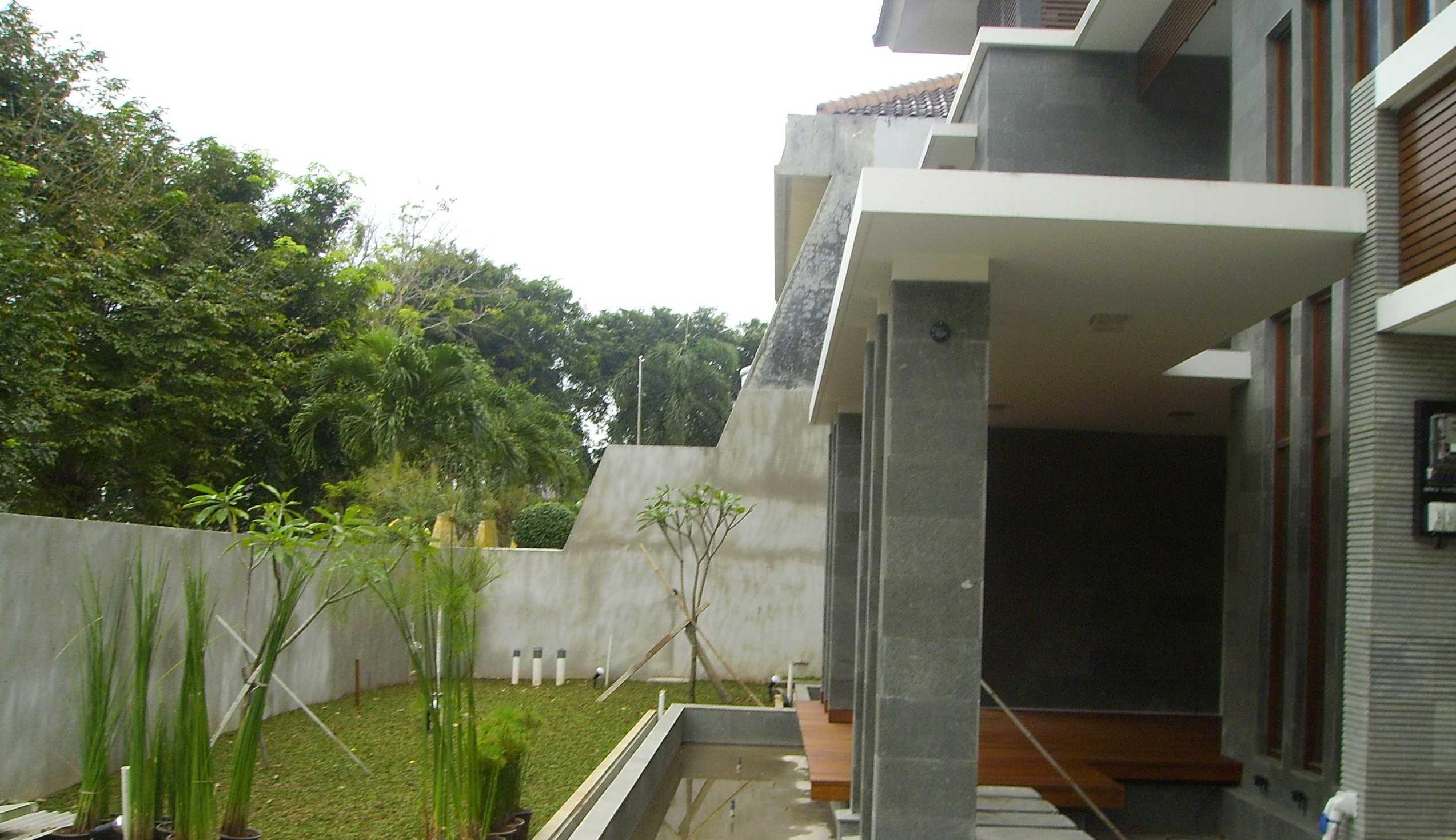 Kurniadi Sugiarta Modern Land Dl Modern Land, Tangerang Modern Land, Tangerang Front Garden With Pond Modernland Tradisional,tropis,modern  22208