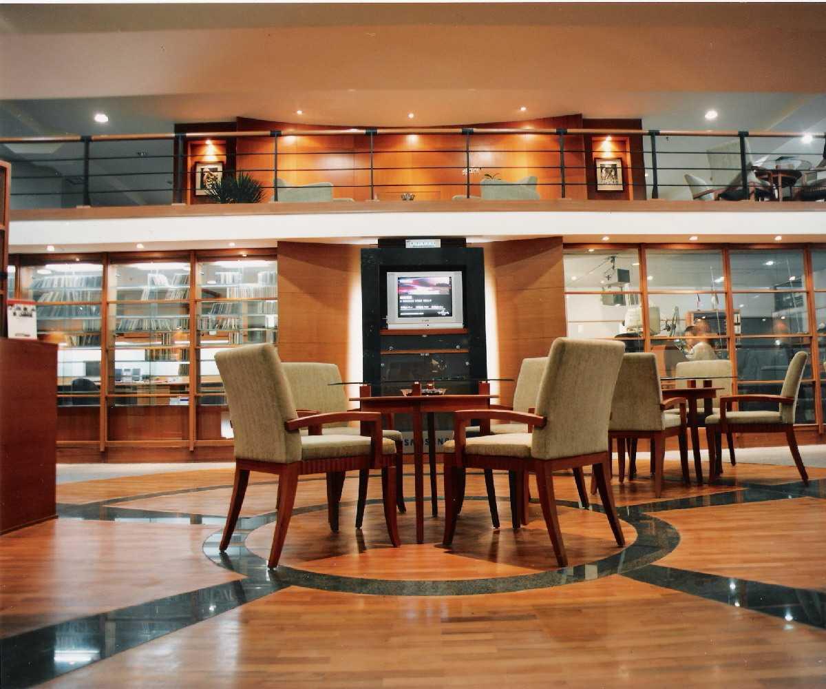 Kurniadi Sugiarta Studio Radio Menara Imperium, Jakarta Selatan Menara Imperium, Jakarta Selatan Lounge Kontemporer A Lounge Functioned As Well As A Multi-Purpose Area Such As On-Line Fashion Event 22551