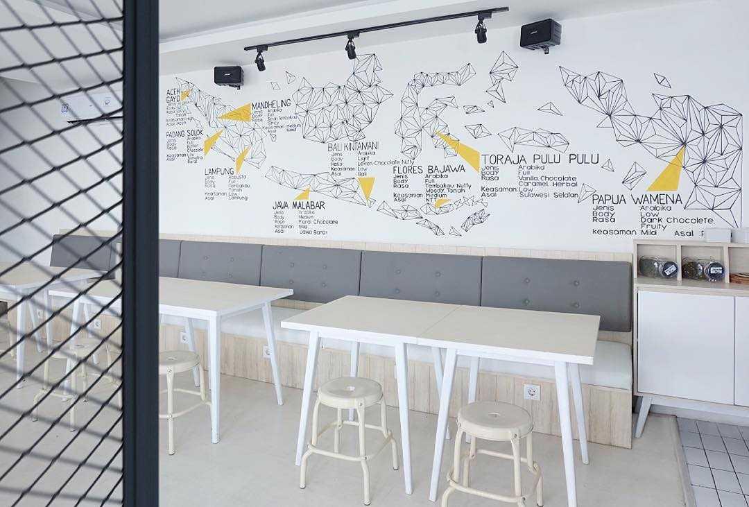Soseki Design Studio Viverri Coffee Shop Muara Angke Muara Angke Seating Area Interior View Modern  22396