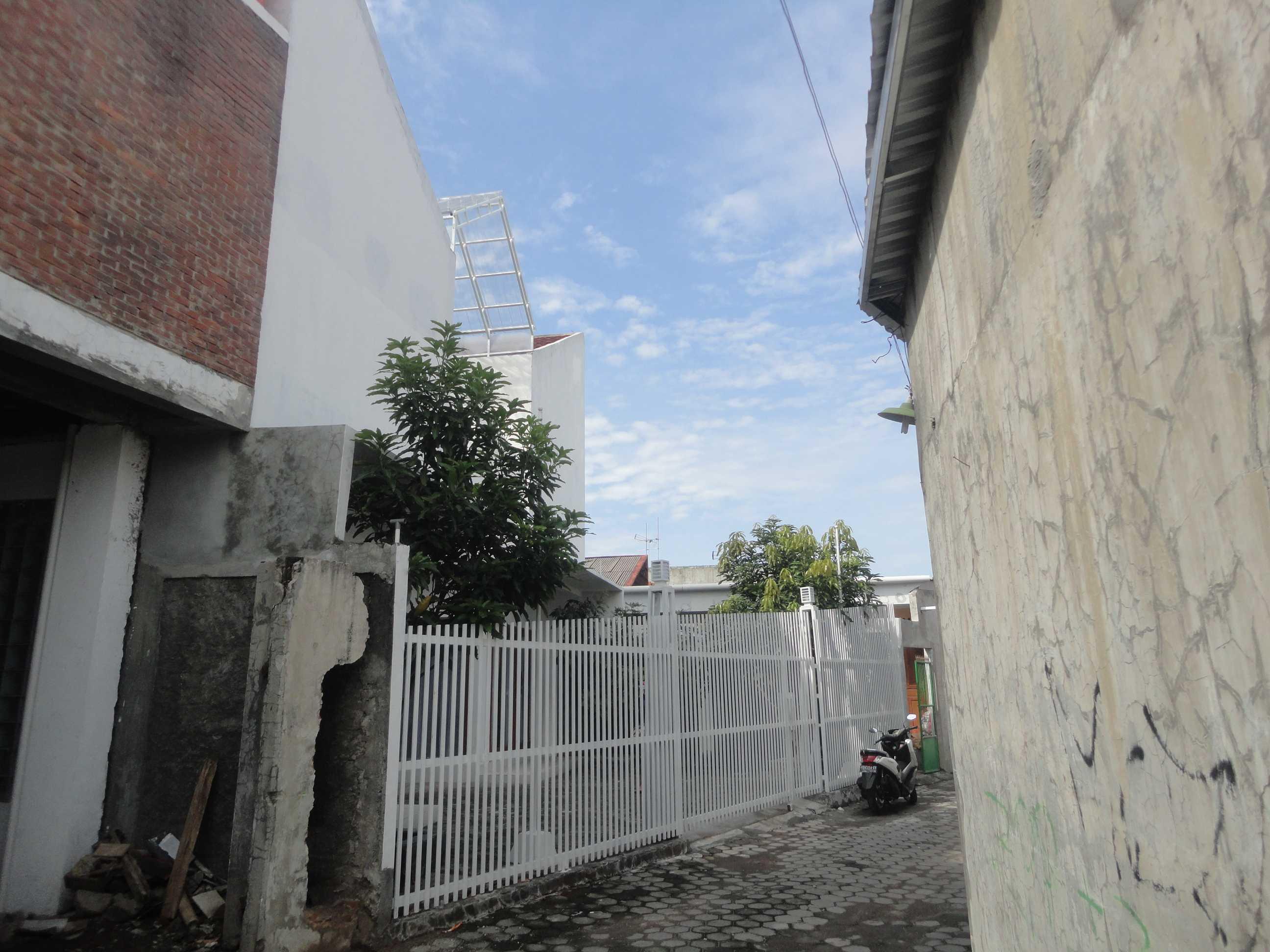 Studioindoneosia Rumah Gandeng Bantul Regency, Special Region Of Yogyakarta, Indonesia Jalan Janti Raya, Gg Jomblang-Jalan Sengon, Bantul, Yogyakarta Front View   19323
