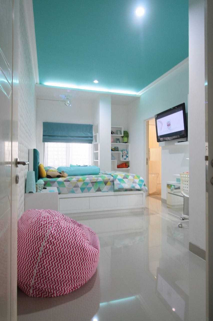 Exxo Interior Residence @ Somerset Kota Wisata Cibubur Cibubur Kids Bedroom  Little Sister Bedroom 25781