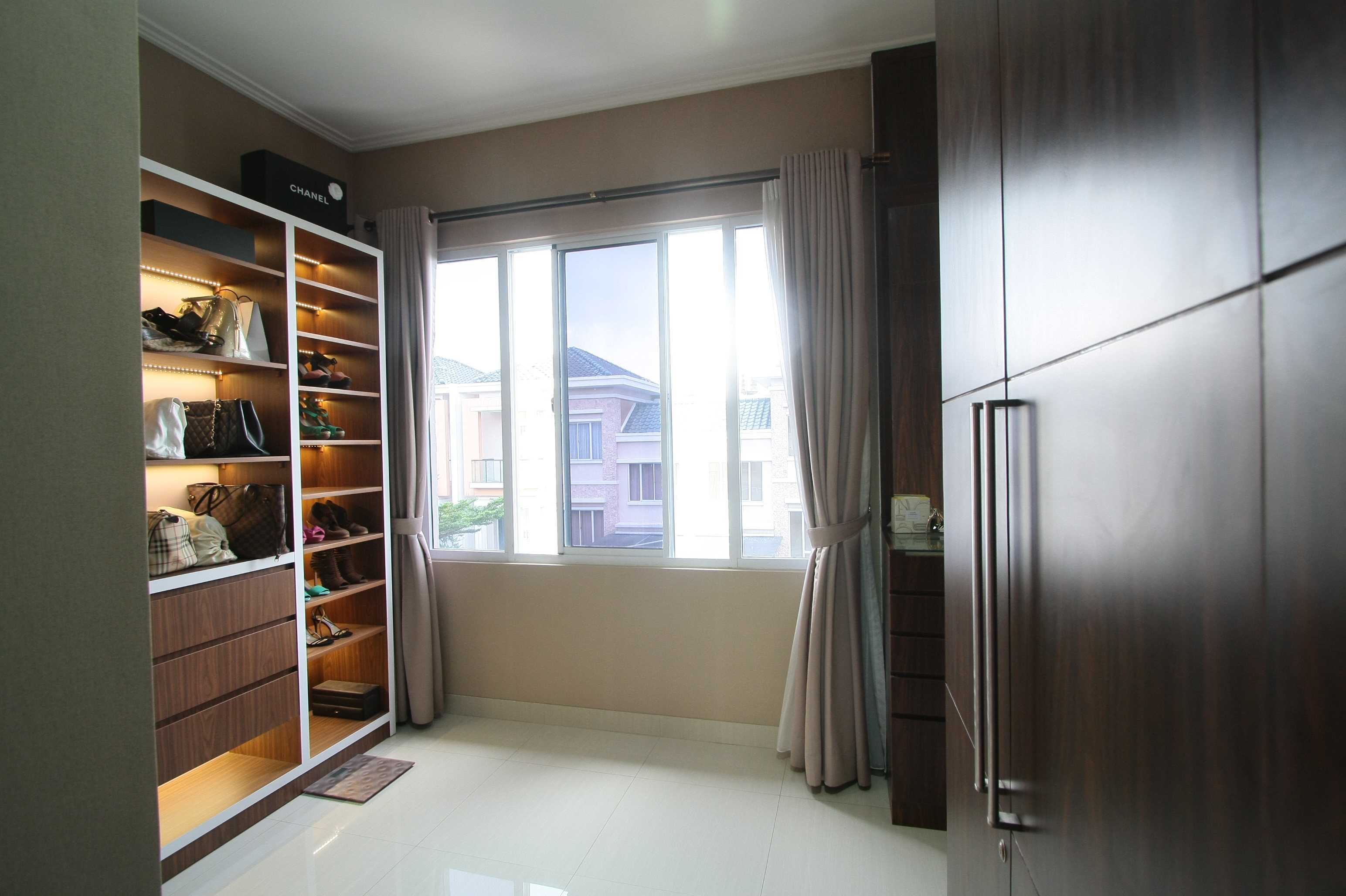 Exxo Interior Grand Galaxy Residence Bekasi Bekasi Dressing Room   28115