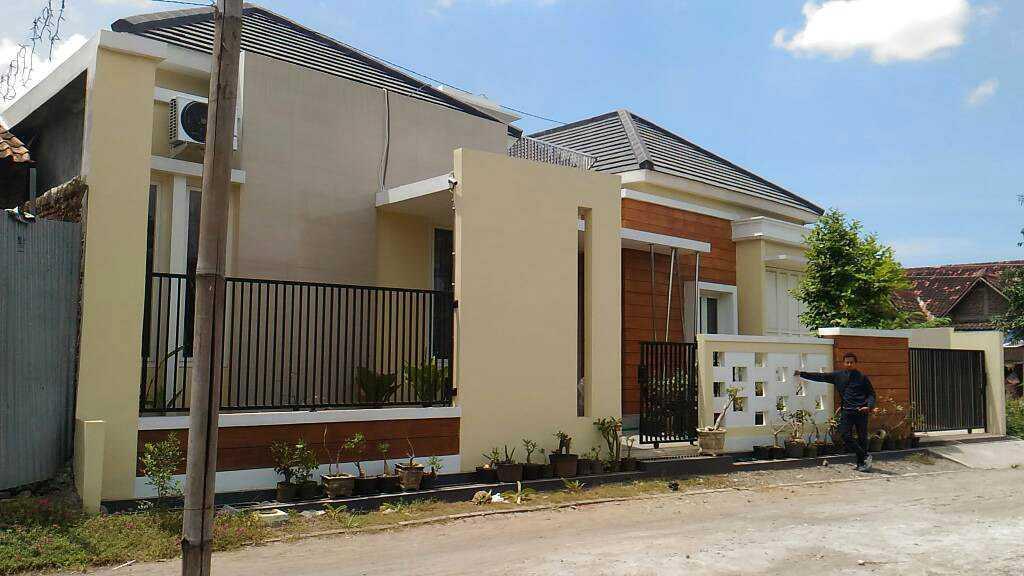 Zoelsitektur Twin House Kendal Regency, Central Java, Indonesia Kendal Regency, Central Java, Indonesia Jadi Modern,minimalis <P>Foto Setelah Selesai Pembangunan</p> 33046