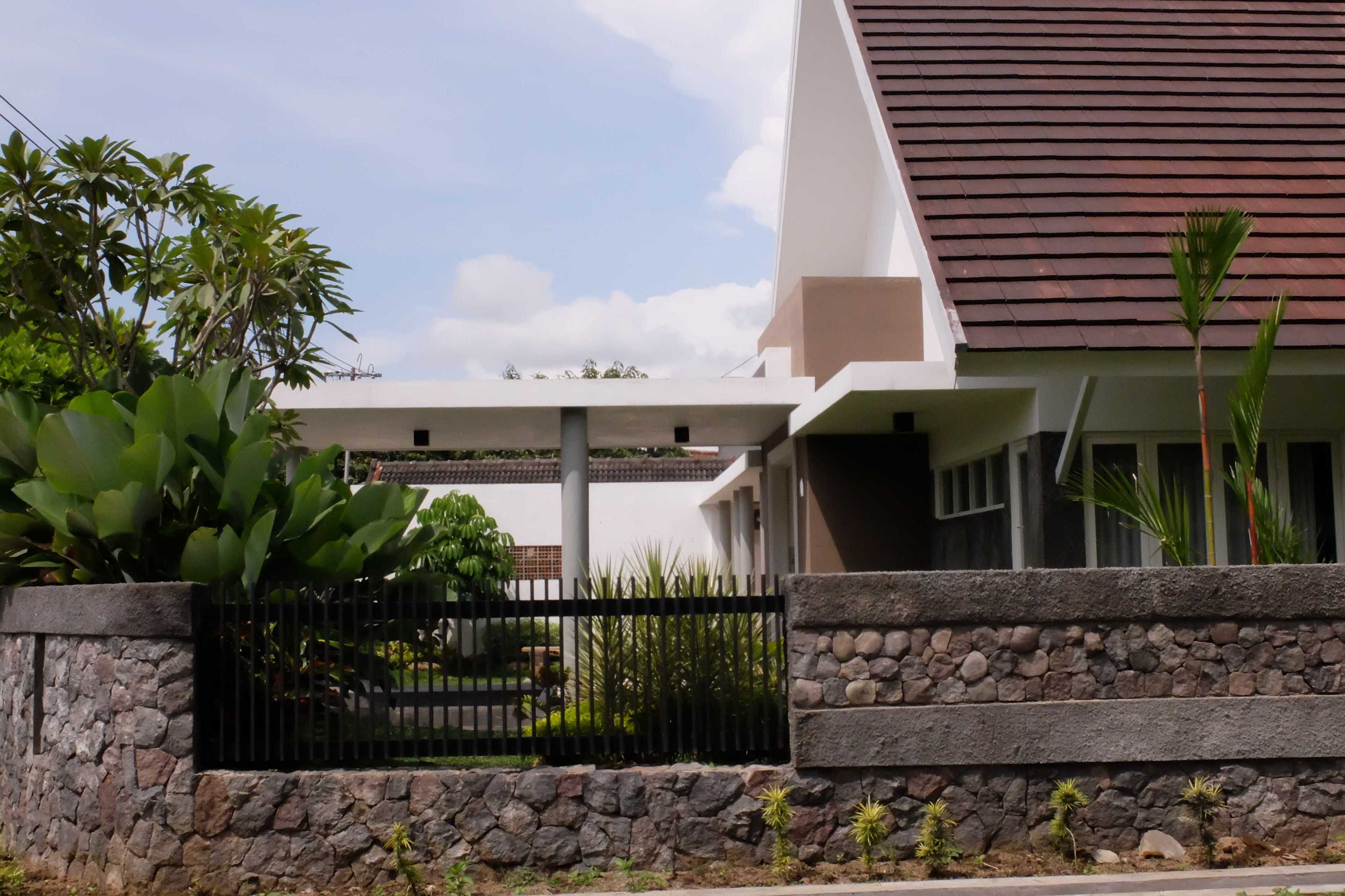 Duatitik Architecture Rumah Kesemek Malang, Jawa Timur Malang, Jawa Timur 2015-01-22-22   29984