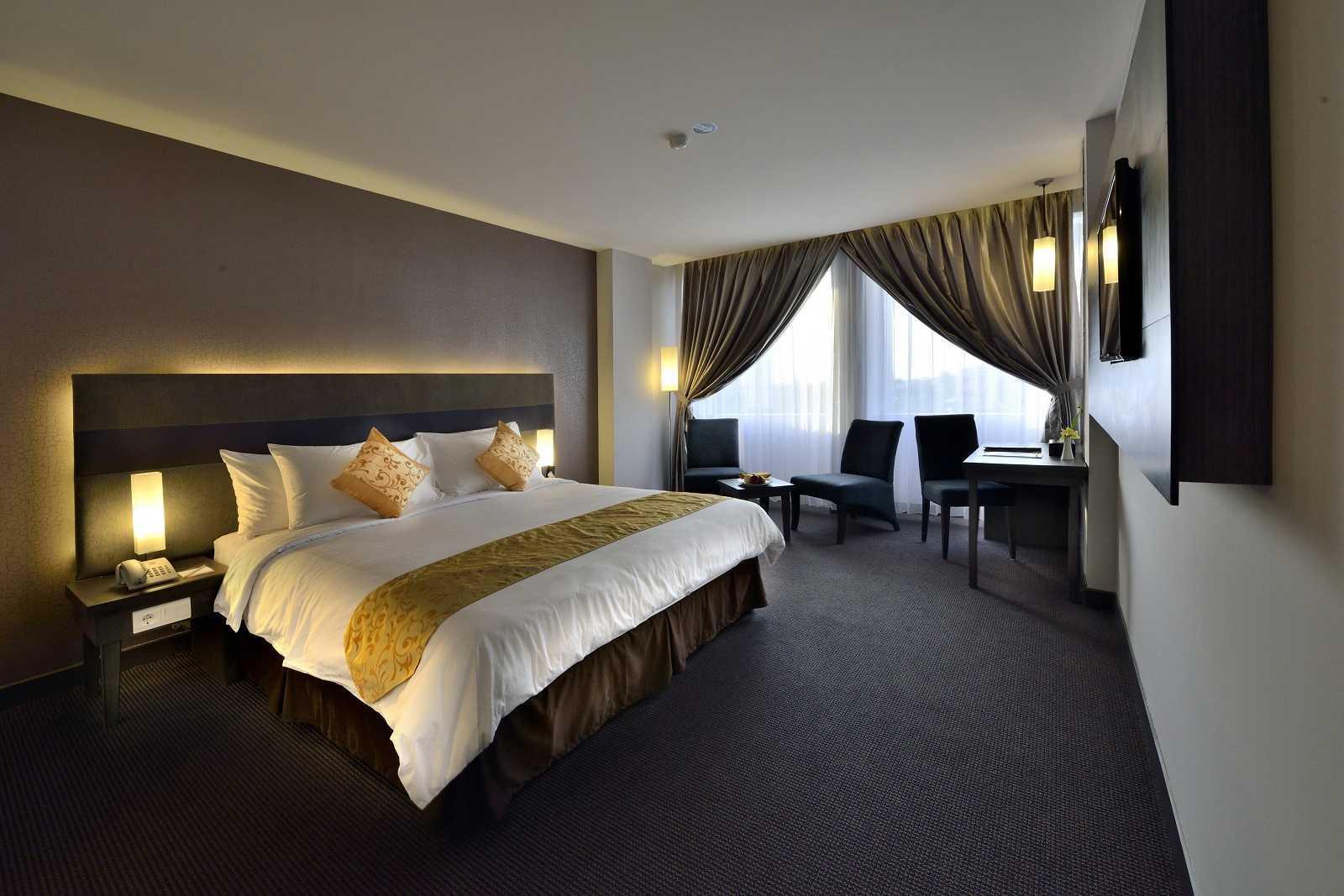 Melly Purnamahildha Tarman Grand Tjokro Pekanbaru Pekanbaru, Riau, Indonesia Pekanbaru, Riau, Indonesia Deluxe Room Modern Deluxe Room  (Image: Http://www.grandtjokro.com/hotel-Grand-Tjokro-Pekanbaru-In-Pekanbaru/photos/) 20454