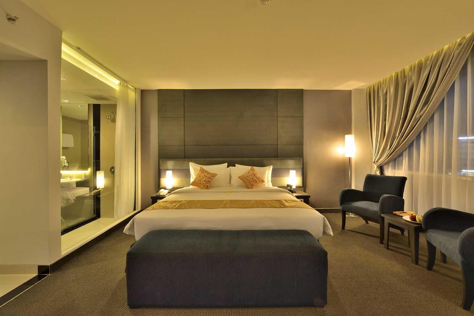 Melly Purnamahildha Tarman Grand Tjokro Pekanbaru Pekanbaru, Riau, Indonesia Pekanbaru, Riau, Indonesia Executive Room Modern Executive Room  (Image: Http://www.grandtjokro.com/hotel-Grand-Tjokro-Pekanbaru-In-Pekanbaru/photos/) 20455