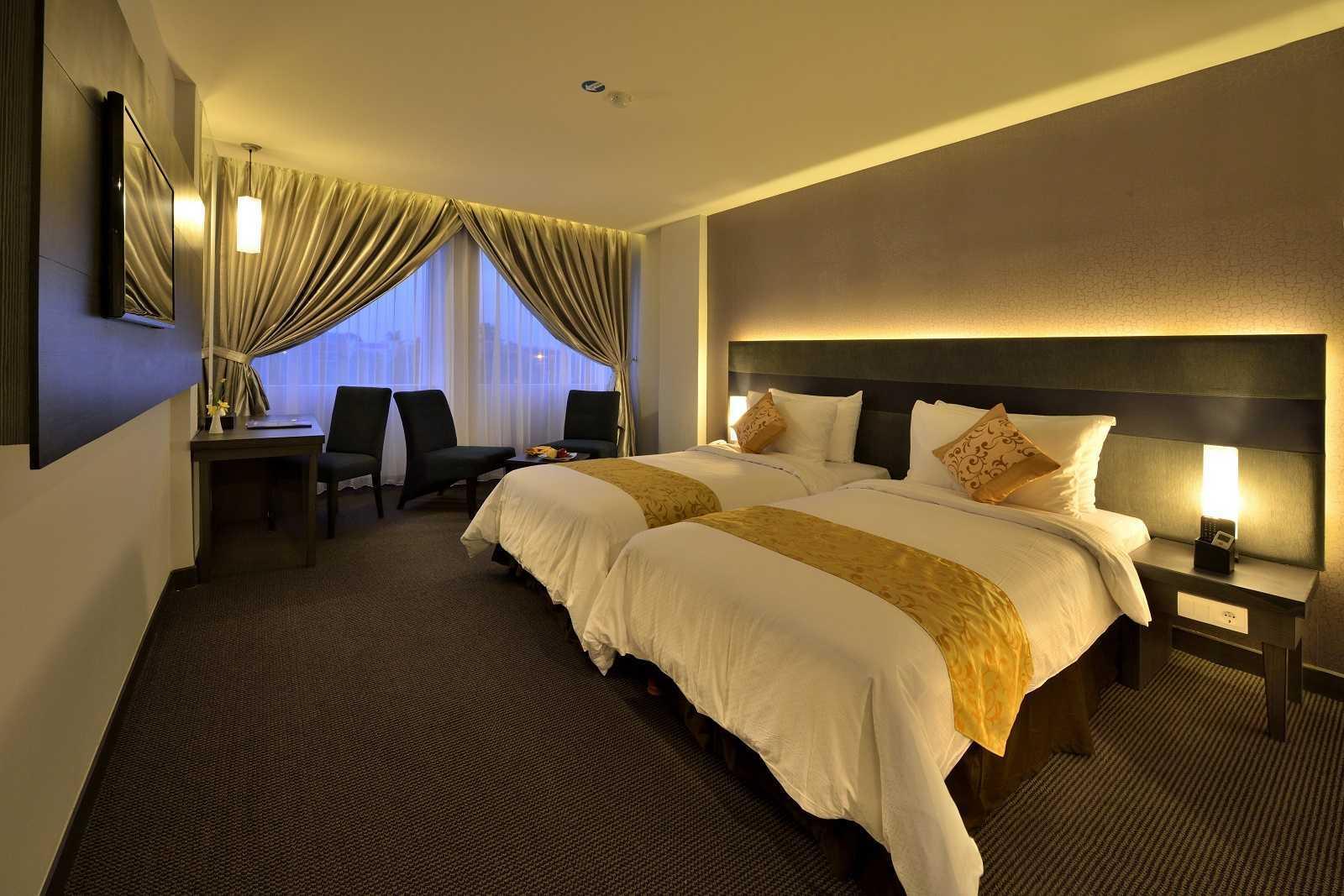Melly Purnamahildha Tarman Grand Tjokro Pekanbaru Pekanbaru, Riau, Indonesia Pekanbaru, Riau, Indonesia Bedroom Modern Superior Room  (Image: Http://www.grandtjokro.com/hotel-Grand-Tjokro-Pekanbaru-In-Pekanbaru/photos/) 20459