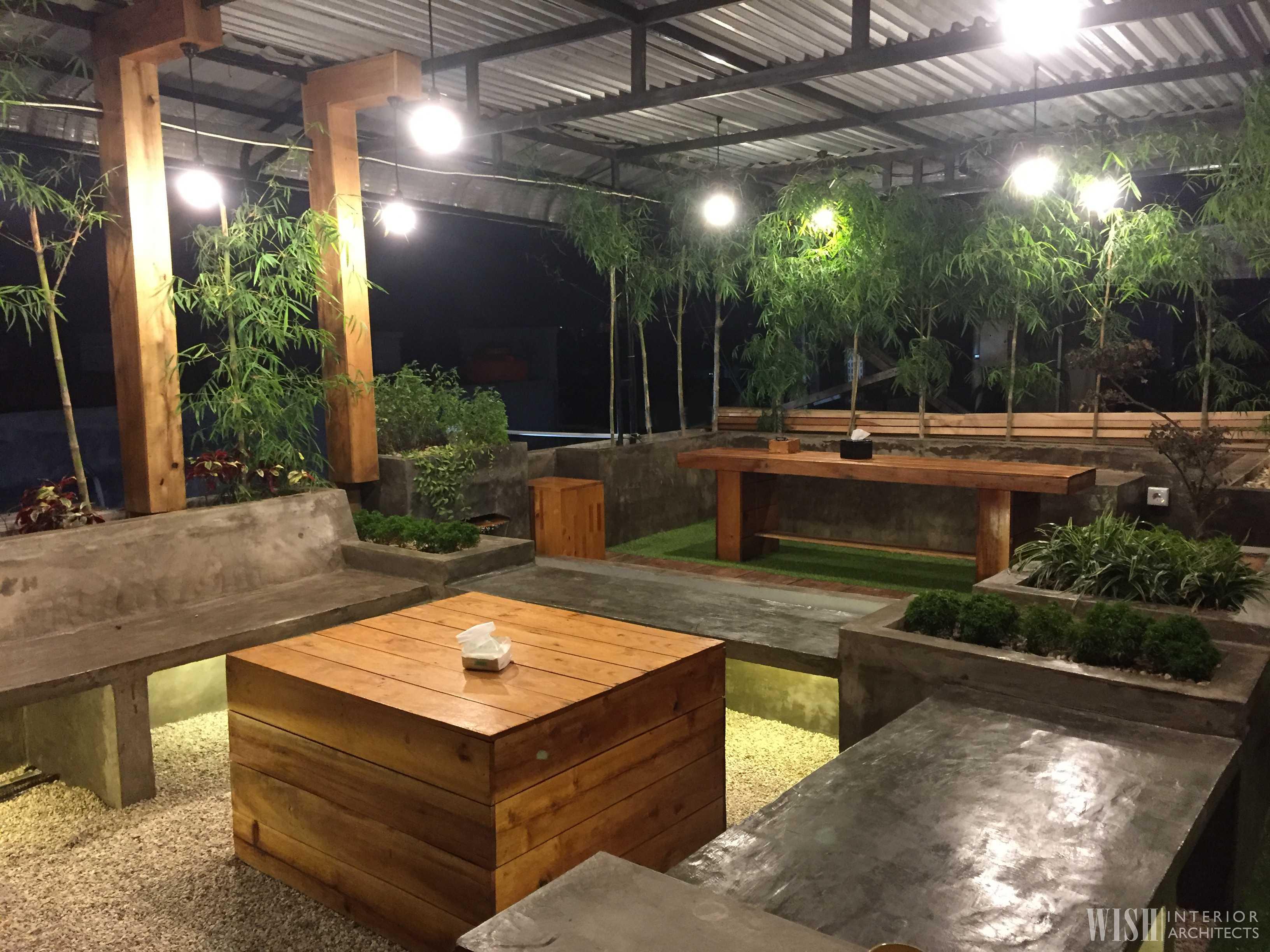 Wish Interior+Architects V Rooftop Garden Pekanbaru Pekanbaru Rooftop Area - Night   28289