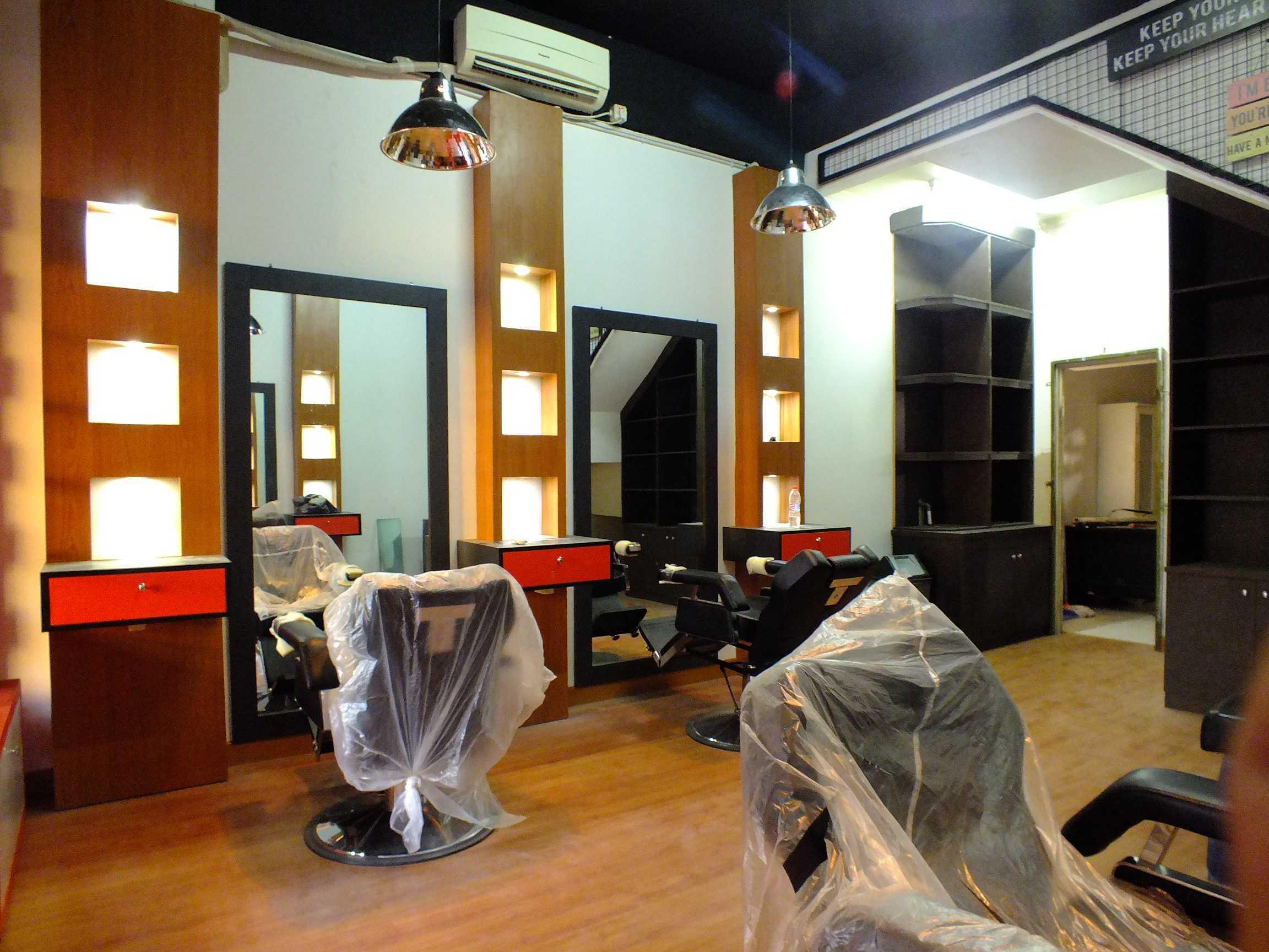 Canvas Mkc Barberbuzz - Barbershop Tangerang Tangerang Interior   20874