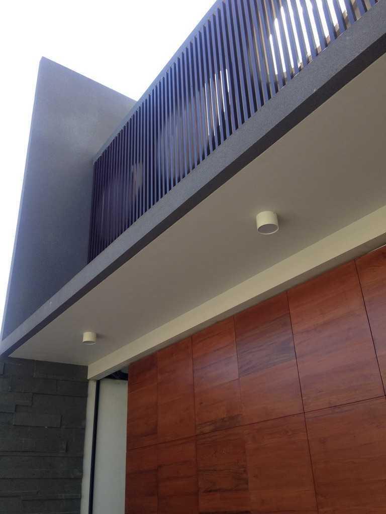 Andre Sutanto Minimalist Corner House Villa Royal Pakuwon City Villa Royal Pakuwon City Exterior Minimalis  25539