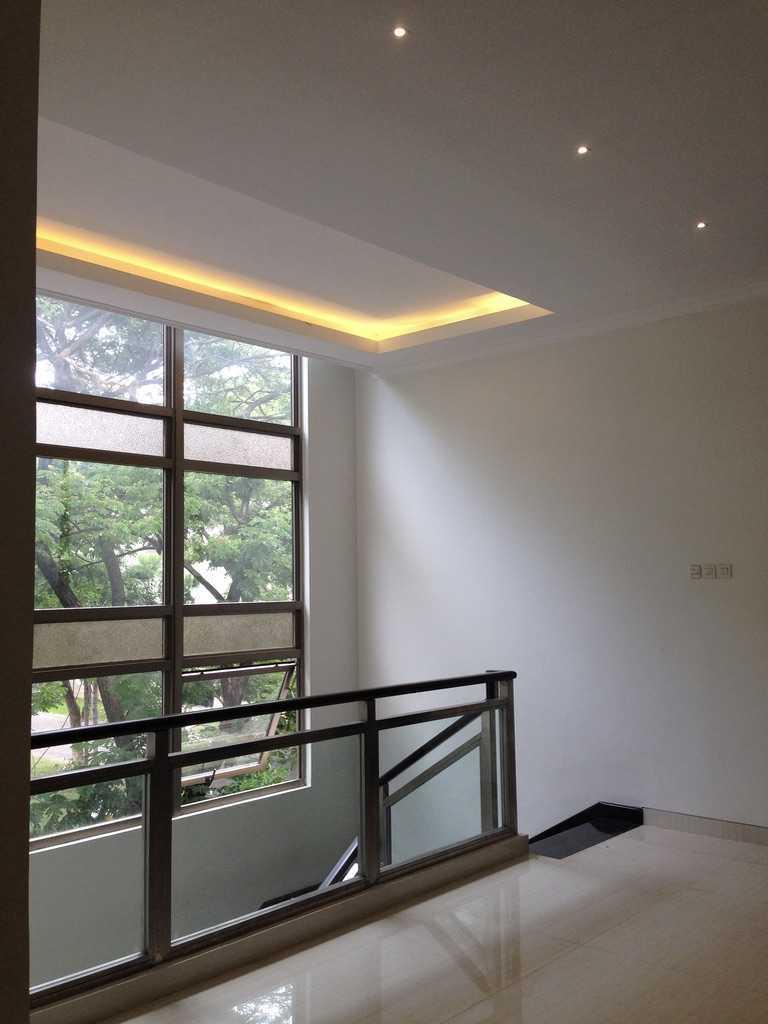 Andre Sutanto Minimalist Corner House Villa Royal Pakuwon City Villa Royal Pakuwon City 2Nd Floor Minimalis  25543