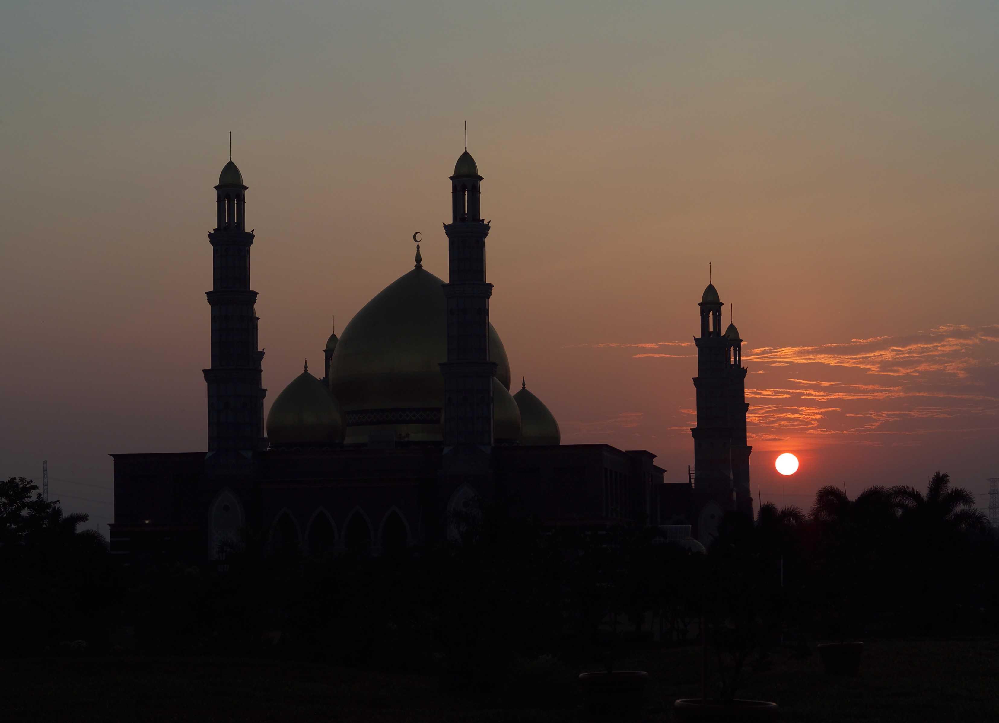 Pt. Garisprada Kubah Emas Mosque Meruyung, Limo, Depok City, West Java, Indonesia Depok Night View Klasik  22015