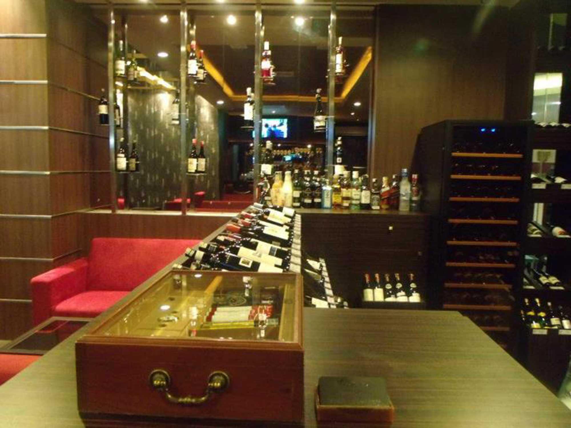 Donny Steven Massie The Wine Lounge Sudirman - Jakarta Sudirman - Jakarta Wine Storage Modern  23473