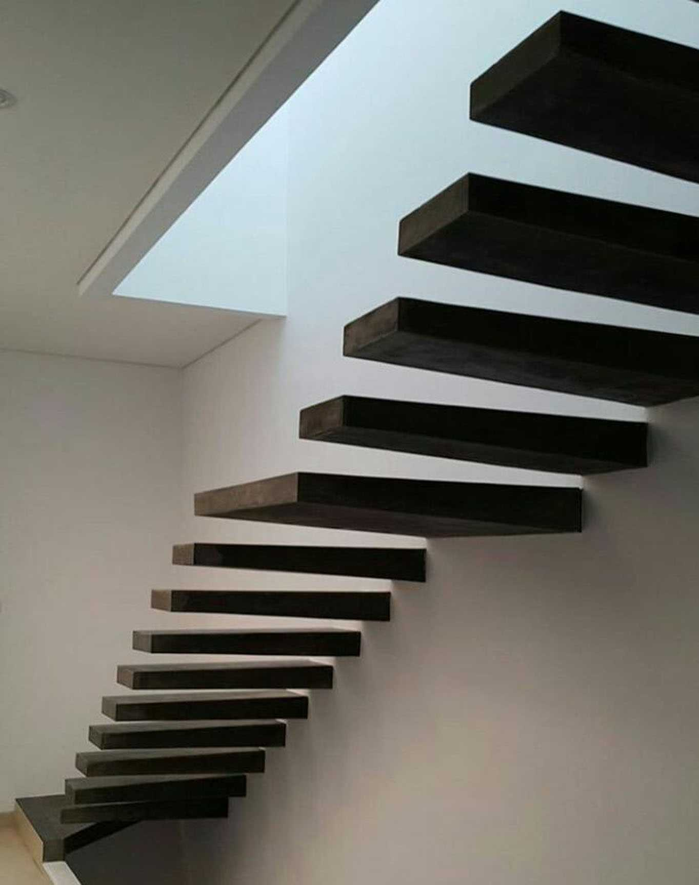 Segitiga Studio Rumah Wallet Jakarta Jakarta Stairs   22615