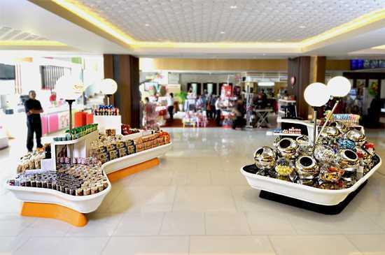 Bral Architect Kartika Sari Dago Coblong, Bandung City, West Java, Indonesia Dago, Bandung Bakery Display Modern  24871