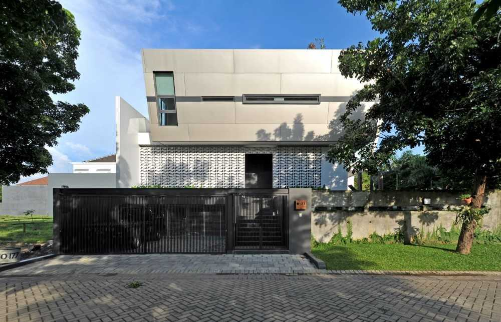 Ivan Priatman Architecture Ddyw Residence Surabaya, Kota Sby, Jawa Timur, Indonesia Surabaya Front View   23715