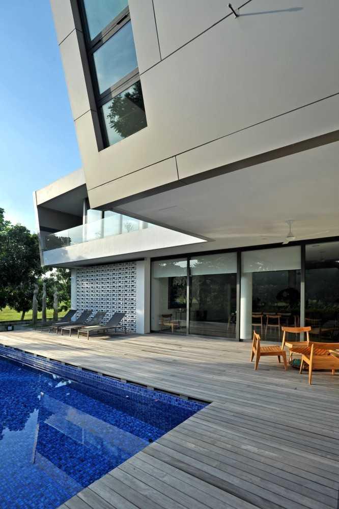 Ivan Priatman Architecture Ddyw Residence Surabaya, Kota Sby, Jawa Timur, Indonesia Surabaya Swimming Pool Area   23716