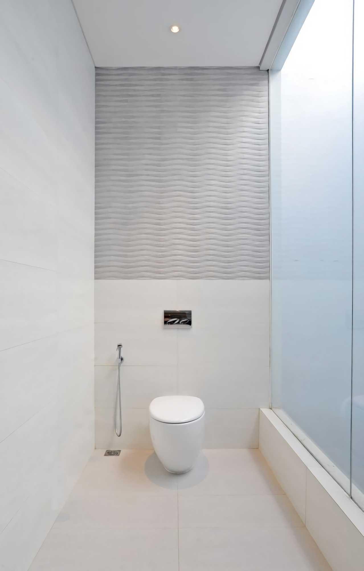 Ivan Priatman Architecture Ddyw Residence Surabaya, Kota Sby, Jawa Timur, Indonesia Surabaya Bathroom   23727