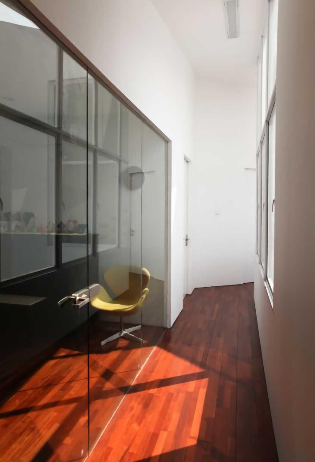 Ivan Priatman Architecture Ipcw Residence Surabaya Surabaya Corridor Room   23745