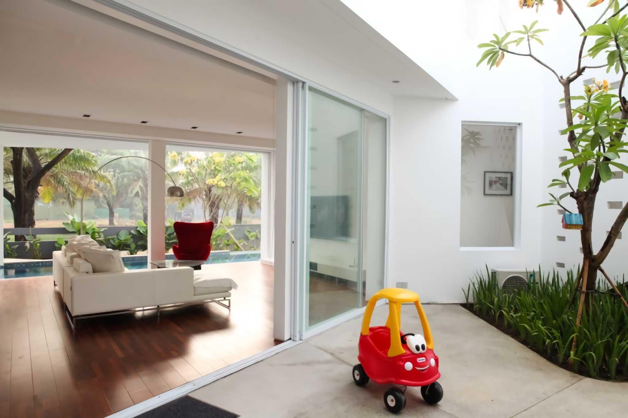 Ivan Priatman Architecture Ipcw Residence Surabaya Surabaya Living Room   23753