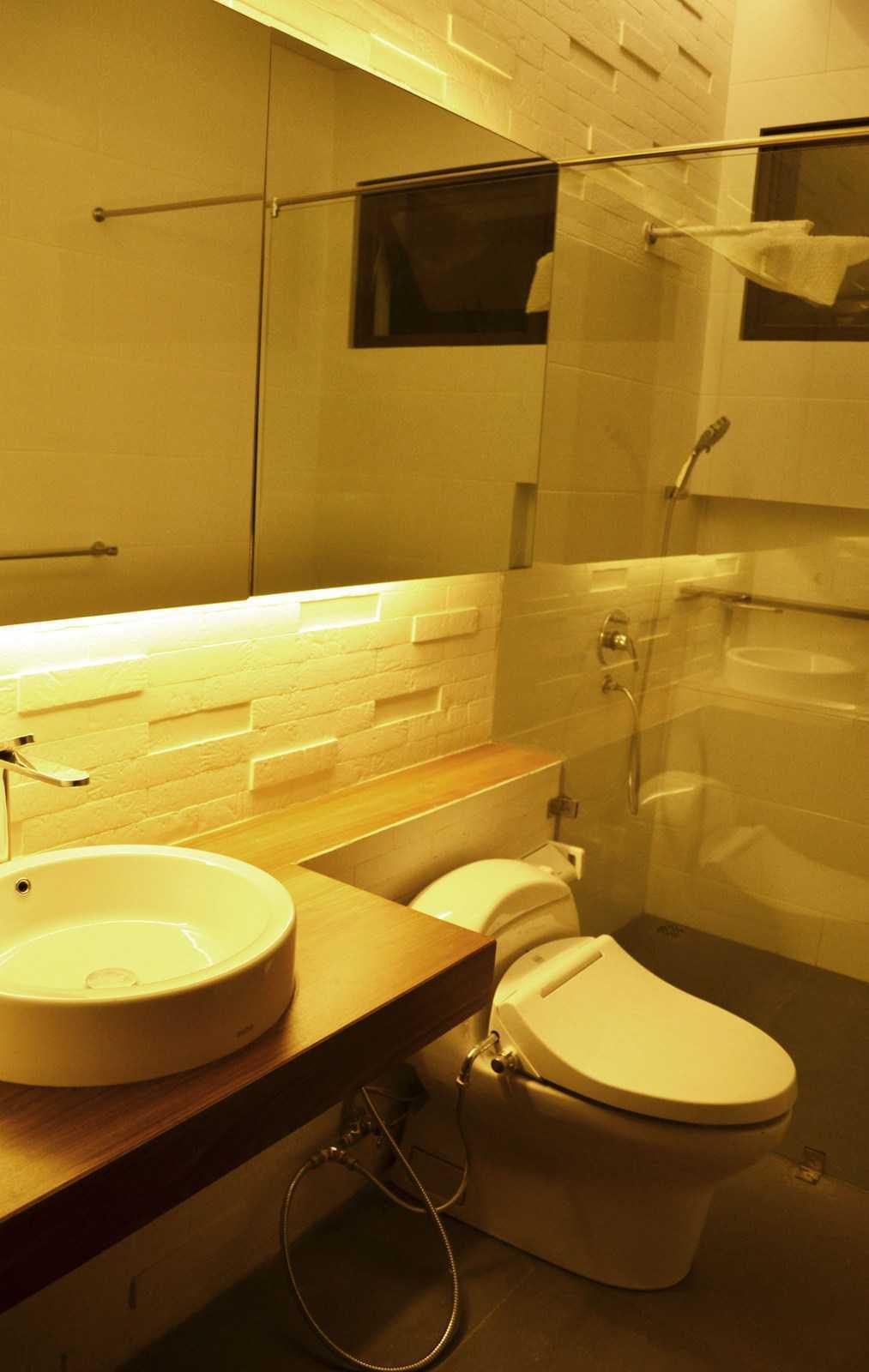 X3M Architects Nittaya A3 15 House Bsd Bsd Bathroom   25297