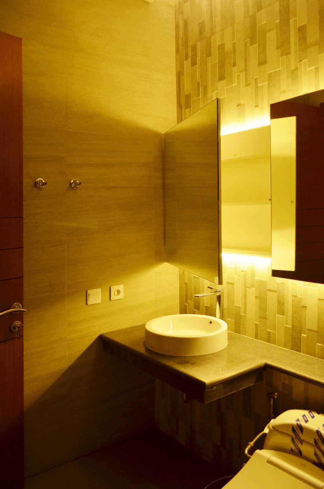 X3M Architects Nittaya A3 15 House Bsd Bsd Bathroom   25304