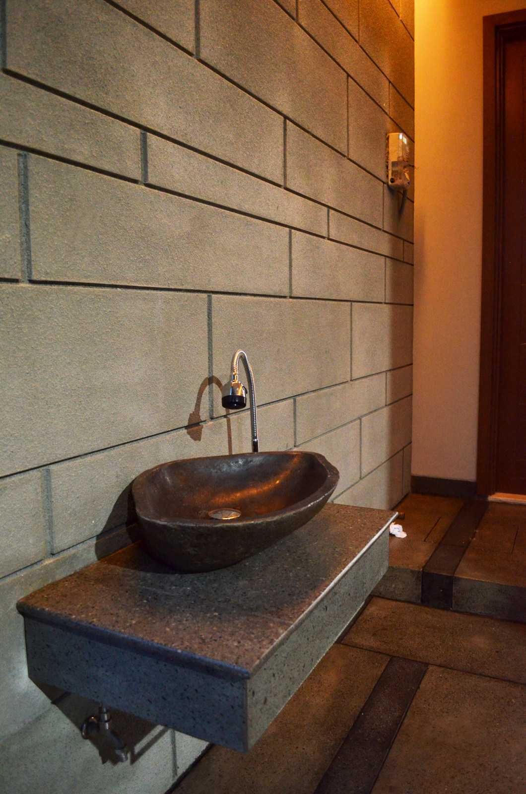 X3M Architects Nittaya A3 15 House Bsd Bsd Wastafel   25320