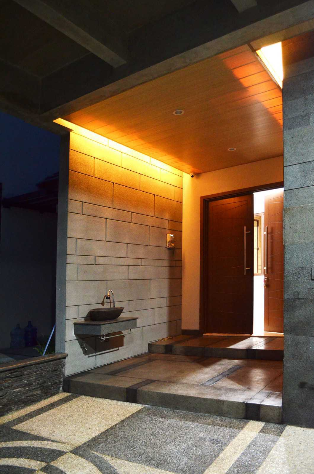 X3M Architects Nittaya A3 15 House Bsd Bsd Front Door   25324