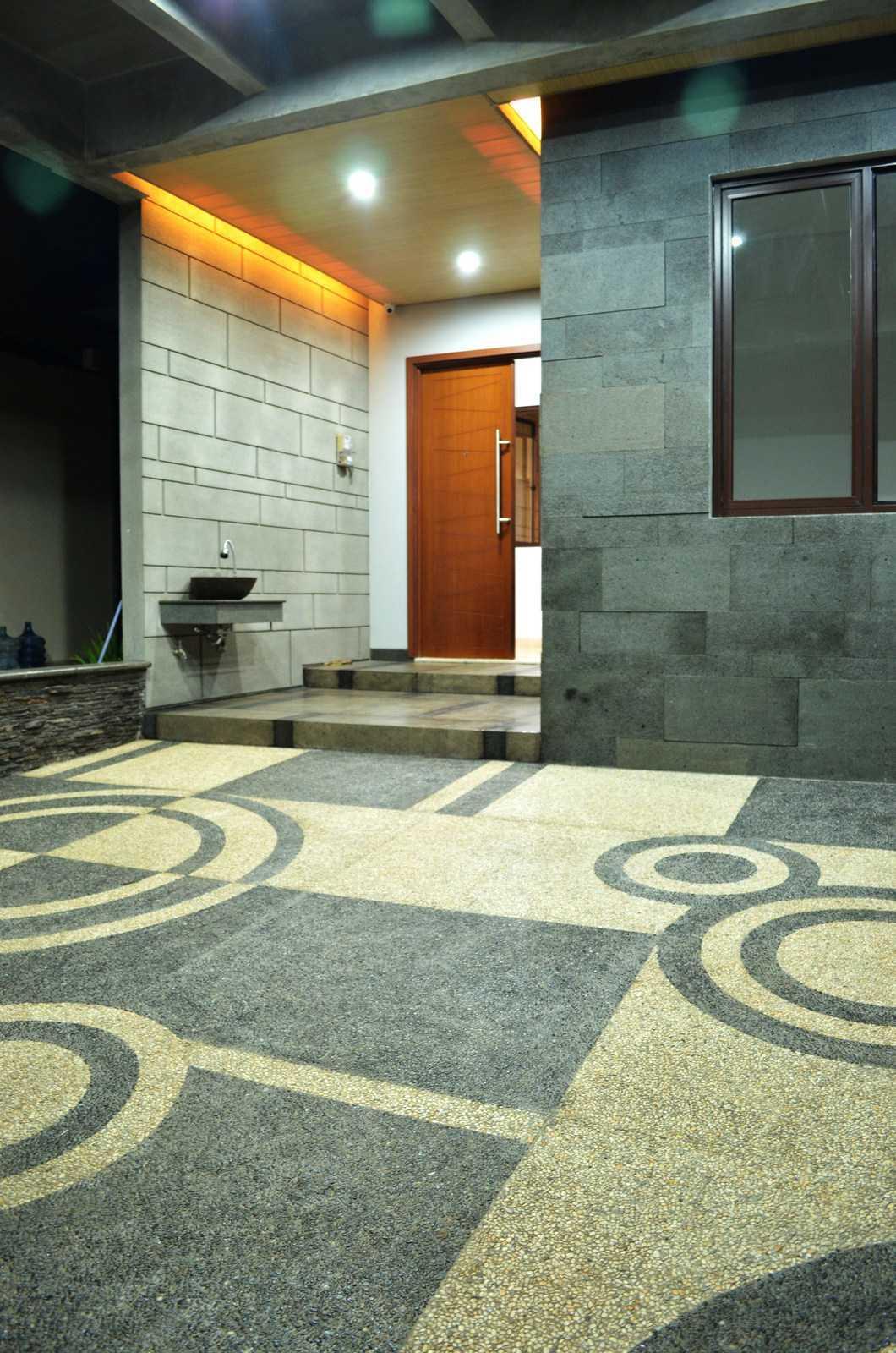 X3M Architects Nittaya A3 15 House Bsd Bsd Front Door   25331