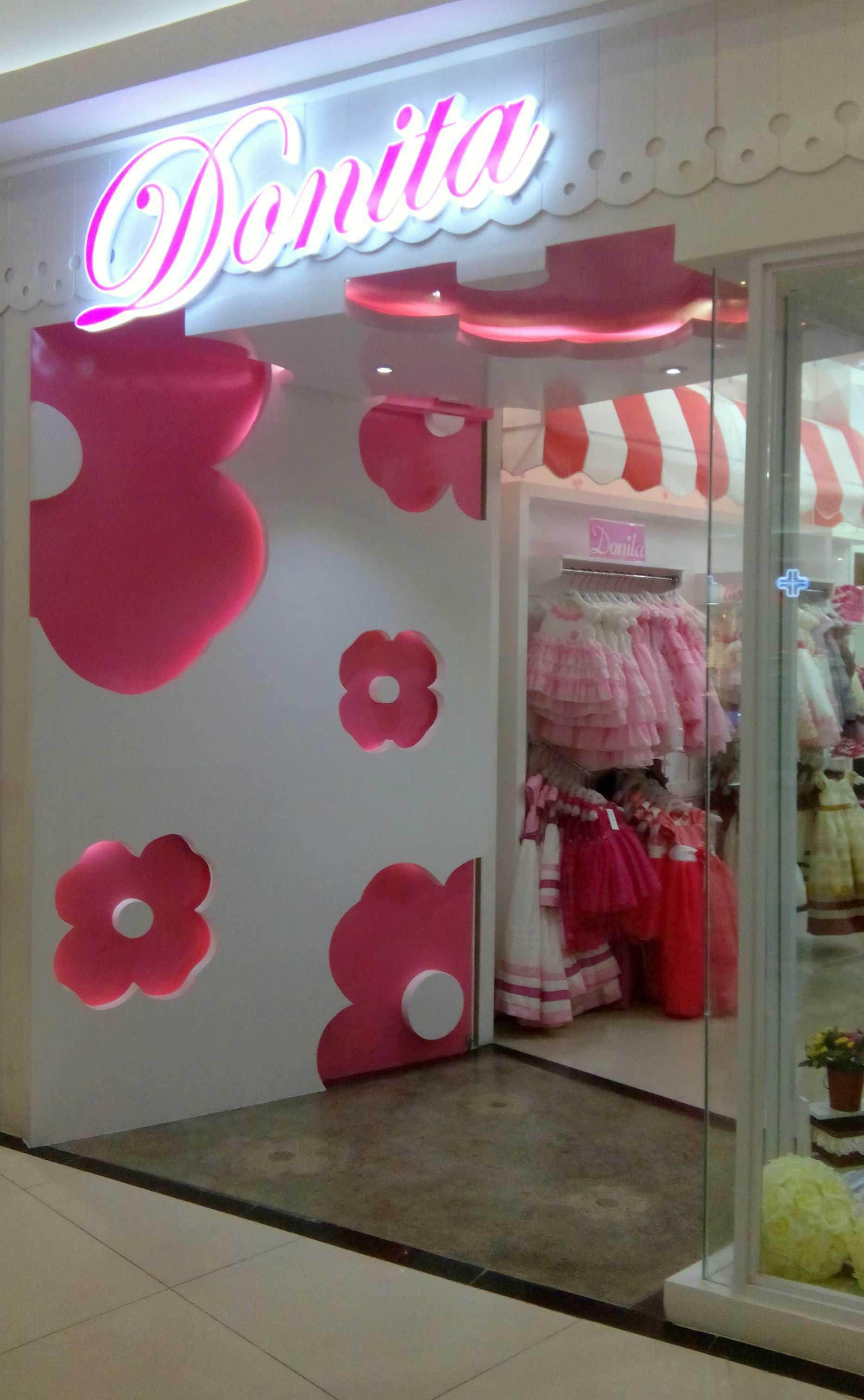 X3M Architects Donita Showroom Karawaci Tangerang Tangerang Front Store Modern  25867