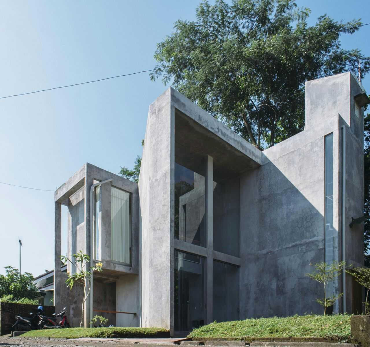Akbar Hantar House At Purwokerto Purwokerto, Jawa Tengah Purwokerto, Jawa Tengah Side View   24265