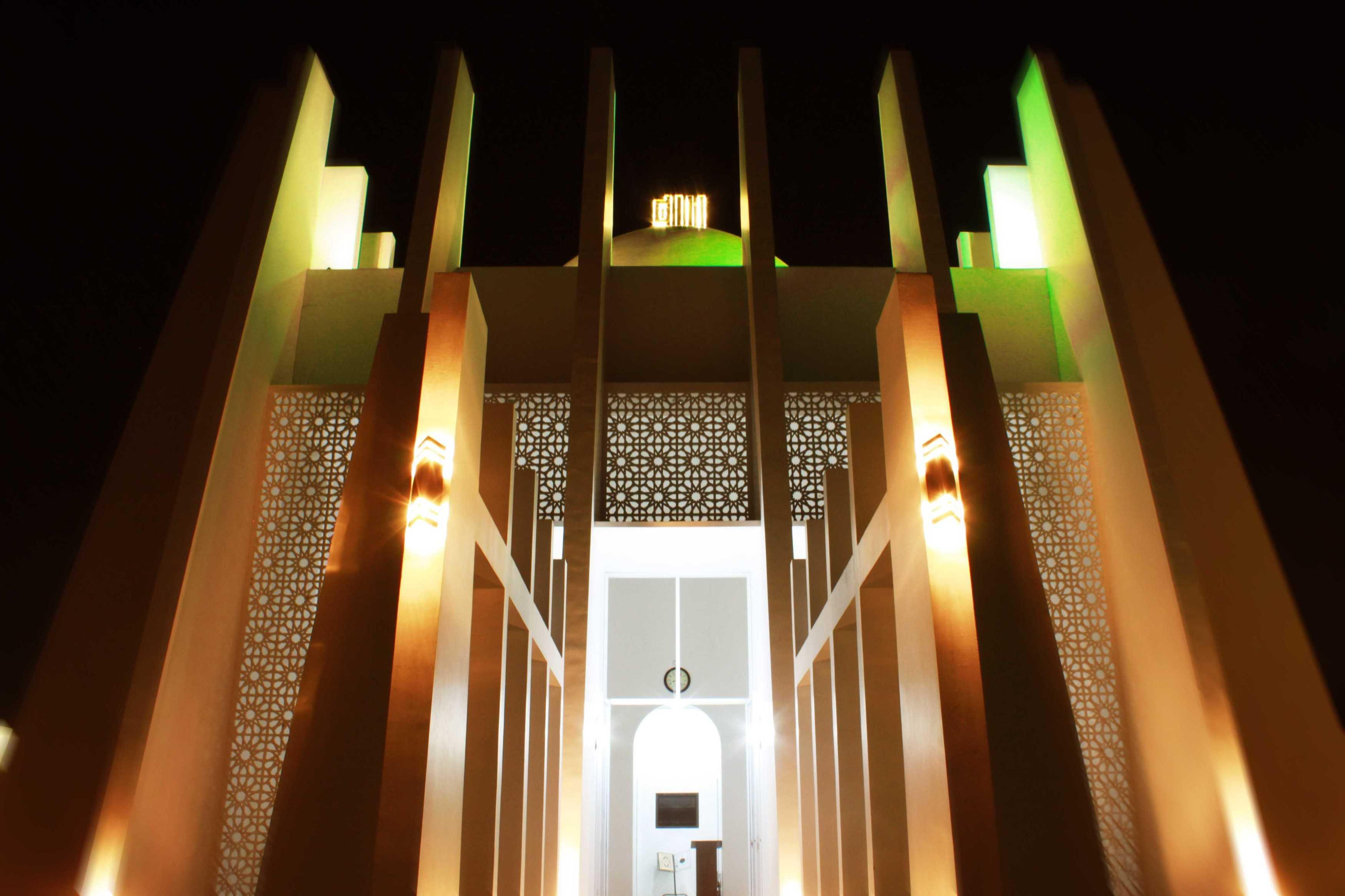 Mahastudio & Partner Masjid Permata Qolbu Permata Mediterania Residence, Jakarta Barat Permata Mediterania Residence, Jakarta Barat 1St Phase Modern  24796